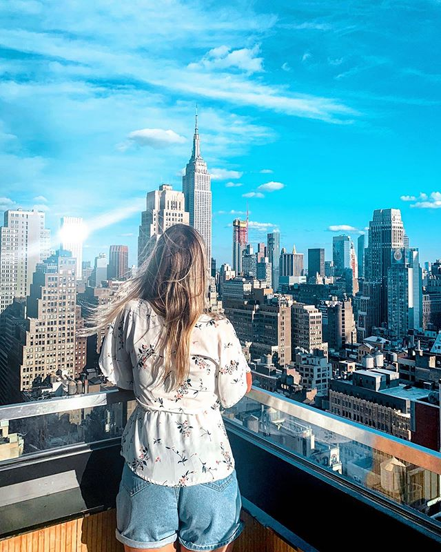It's Fry-yay,  Go out and celebrate life just cause.  Enjoying this incredible view of my city on a Sunny day. Can't get better than this.  Happy Weekend Everyone  • • • • • #thingstodonyc #jj #instagramgirl #girlstyle #rooftopnyc #nycblogger #photosinbetween #creativewoman #bossbabe #empirestatebuilding