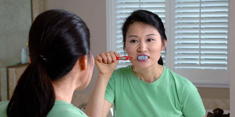 brushing-after-eating-2