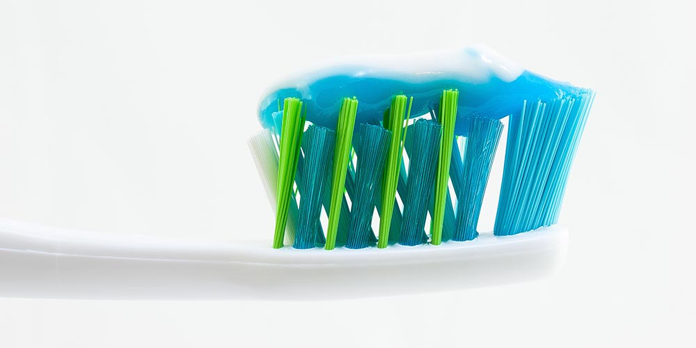 toothbrush-germs-3.jpg