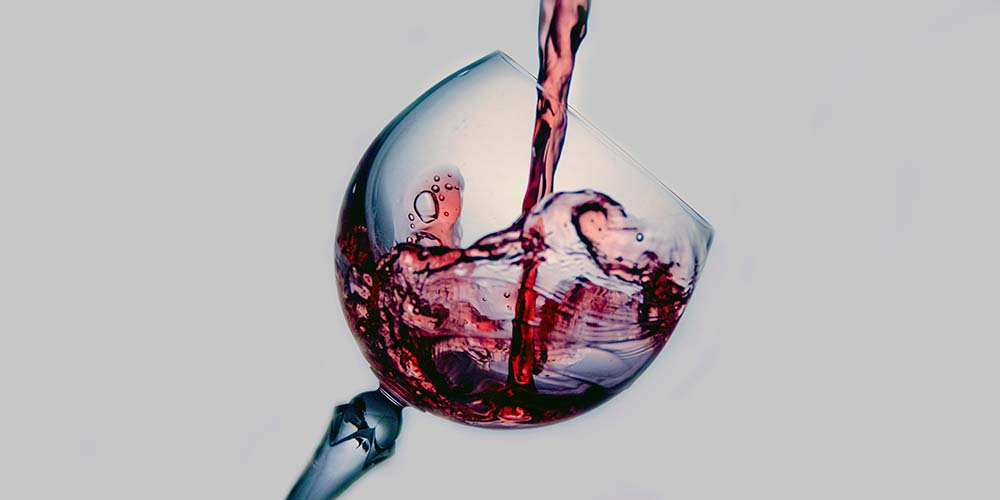 drinking-wine-oral-health-1.jpg