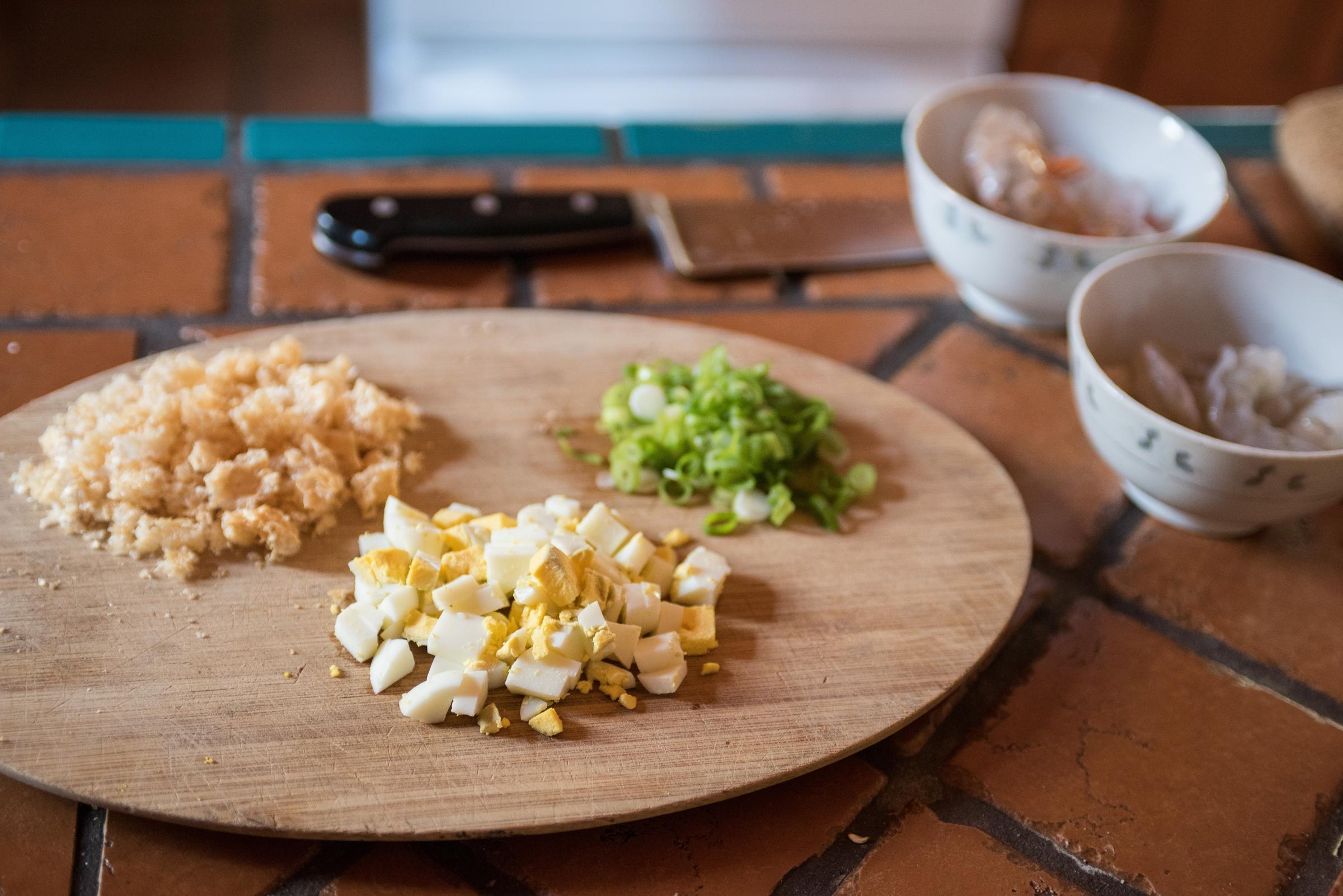 Noodles in Palabok Sauce Garnishes