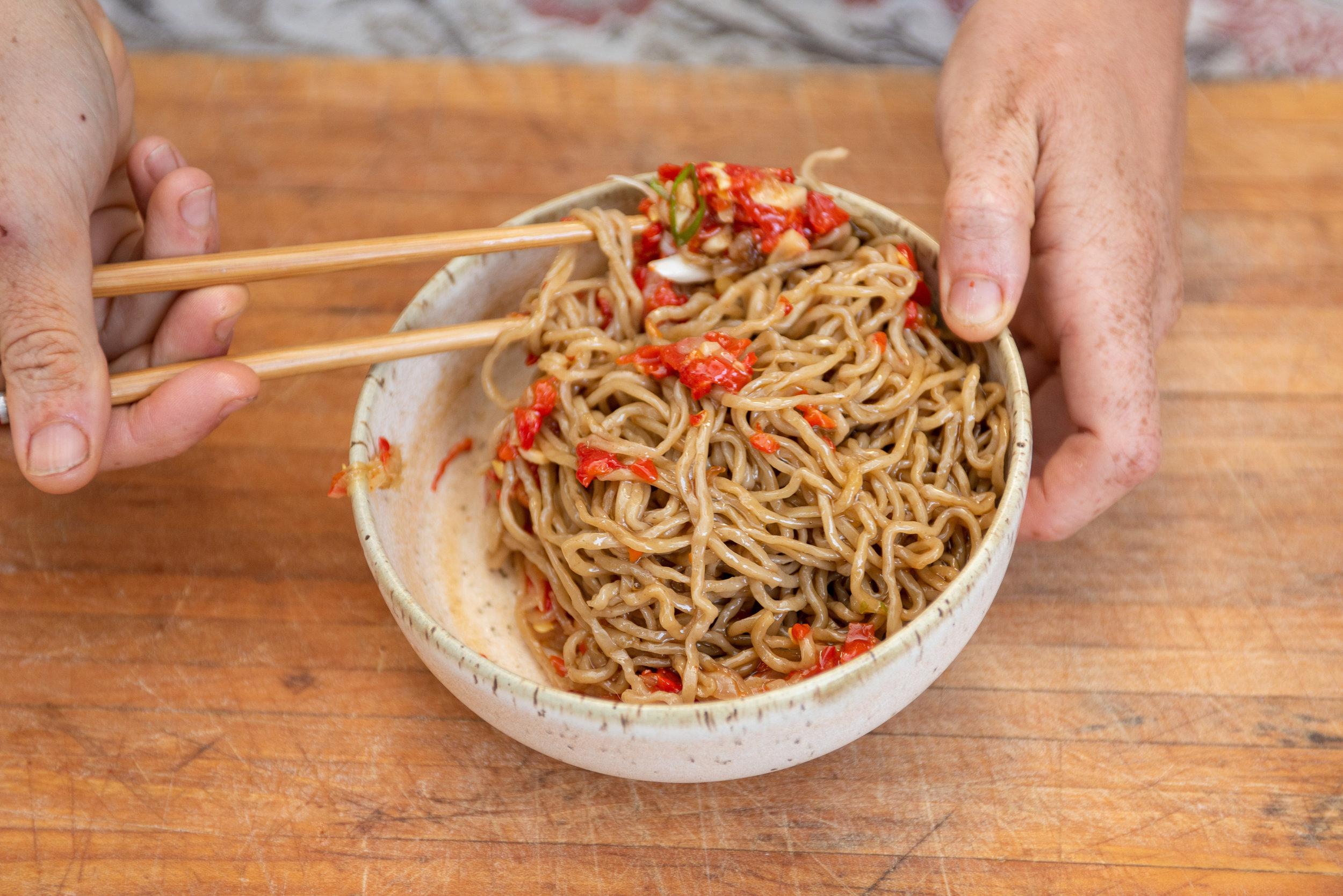 chili garlic noodles-059.jpg