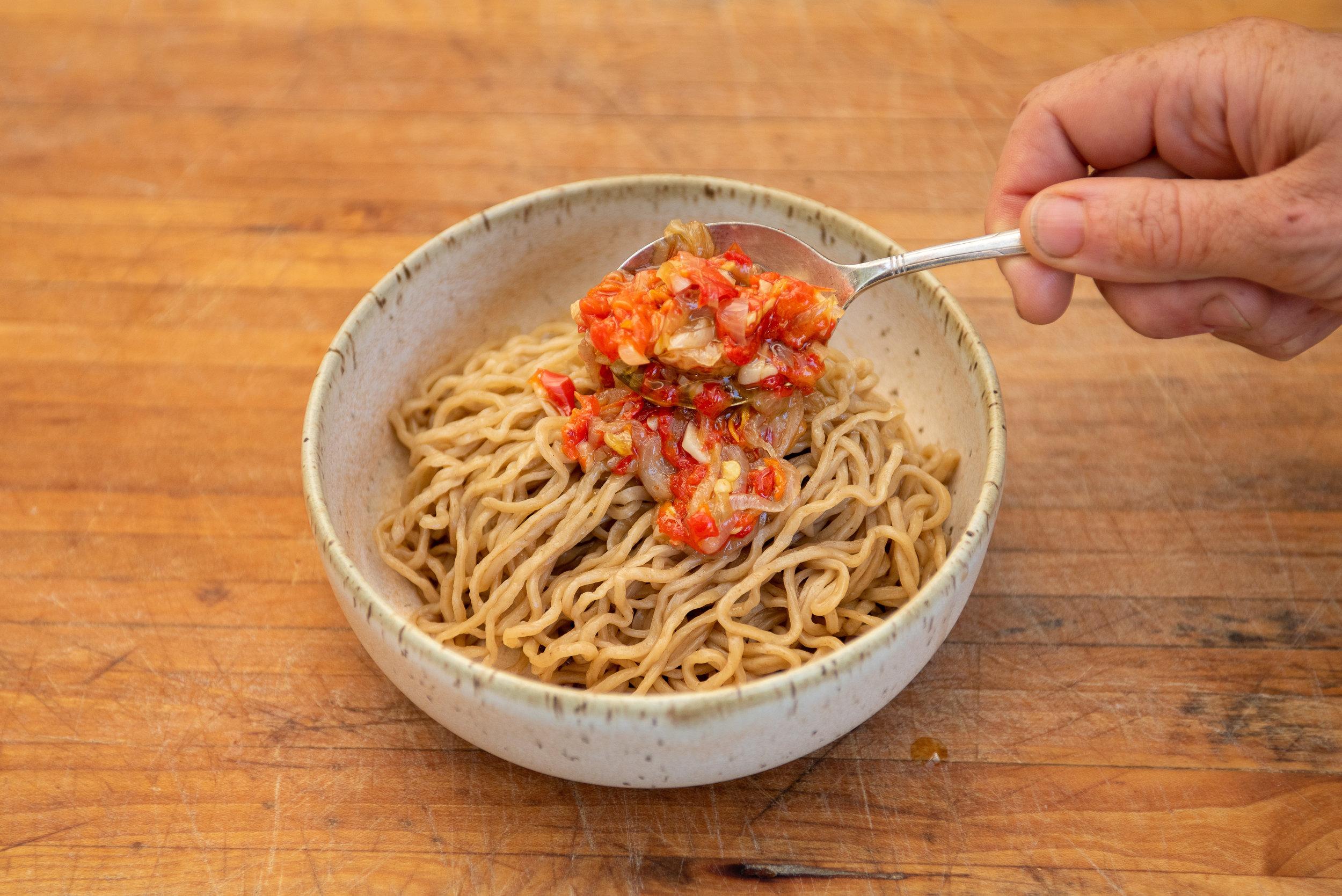 chili garlic noodles-048.jpg