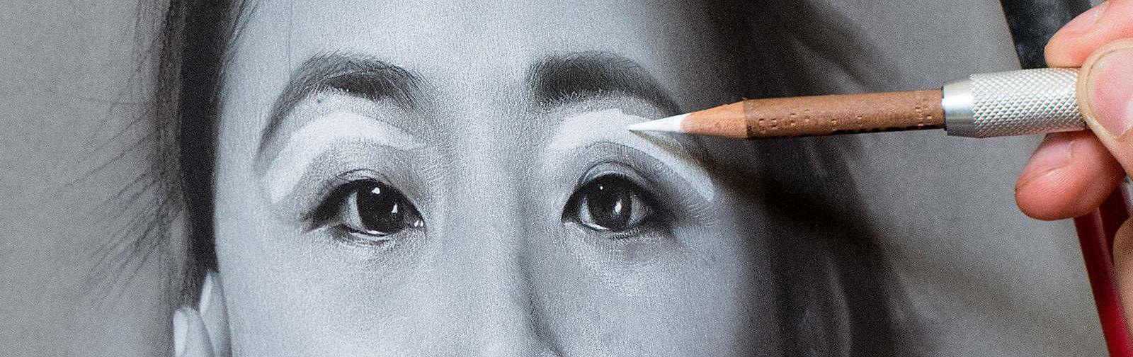 Charcoal_Portrait_Modern_Artist