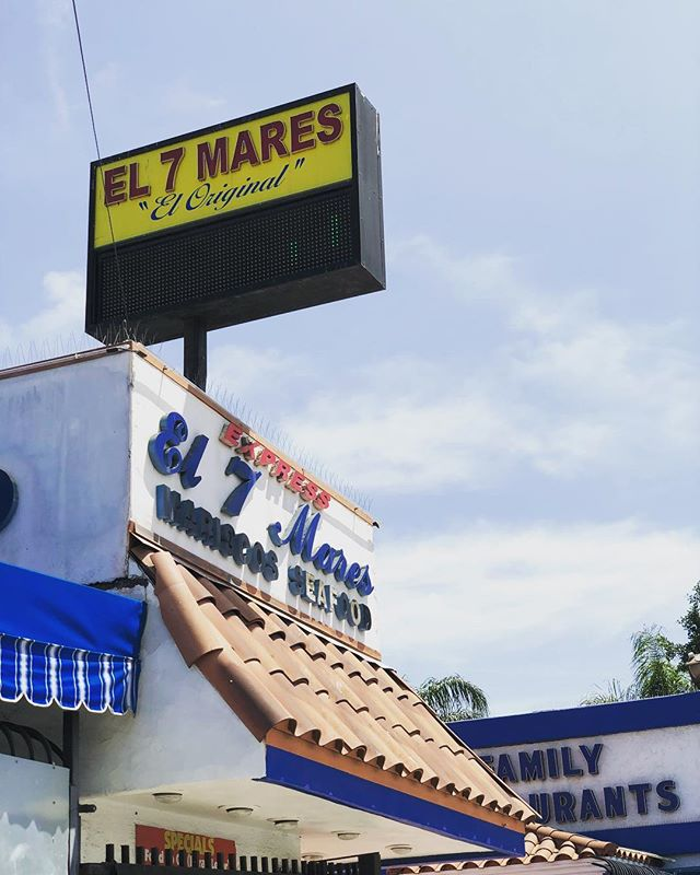 Feliz Viernes!  A los tacos 🌮  #el7mares #tacos #tostadas #cocteles #ostiones #ceviche #friday #happyhour 🌴🍻