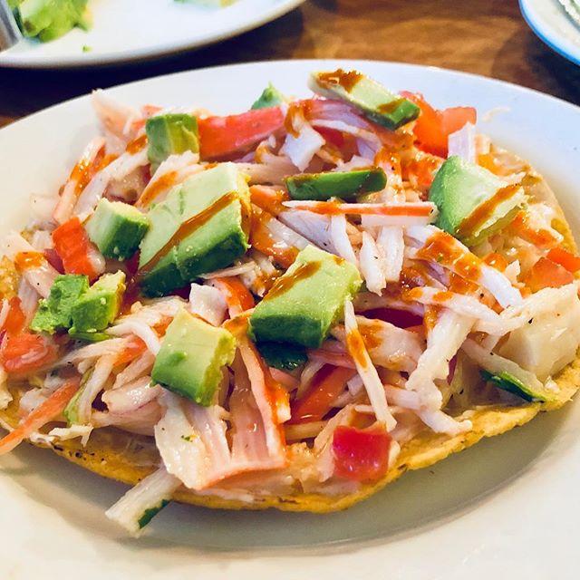 Fresca Tostada de Jaiva con Aguacate y Tapatio • • • • • • • #El7Mares #7Mares #Ceviche #Jaiva #Los Angeles #Tapatio