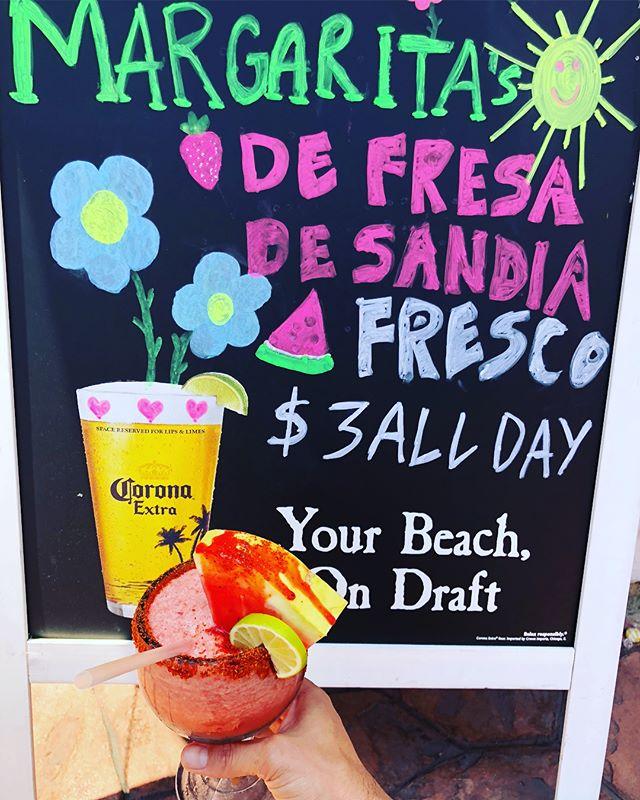 Las Margaritas de agua Fresca de Sandia o Fresa todo el día solo $3.  Por tiempo limitado!  Visítenos 2747 E Cesar Chávez Ave. Los Ángeles, Ca 90033 • • • • • #el7mares #disfruta  #margaritas #fresca #LA #aguasfrescas #Wednesday