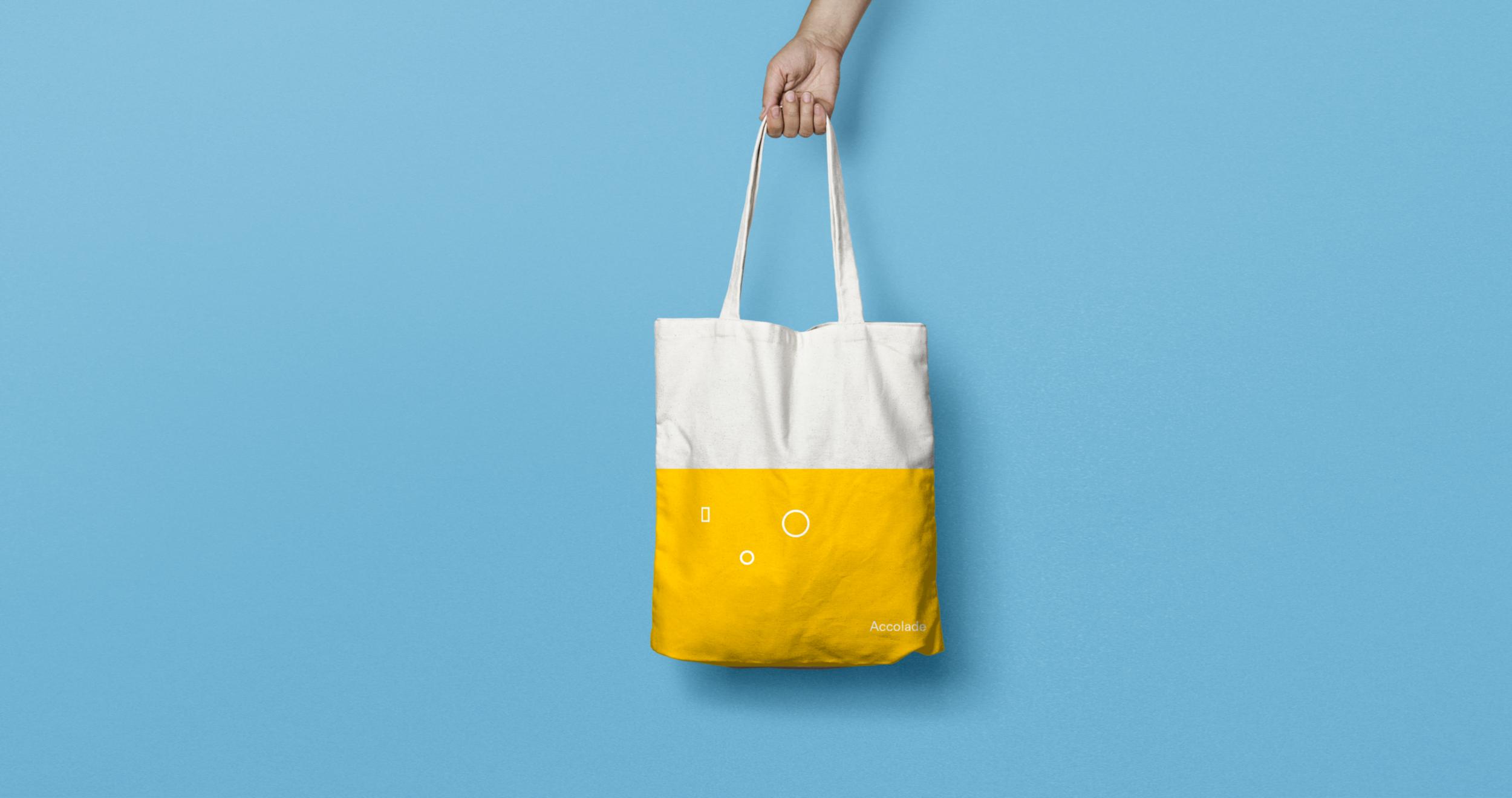 Canvas Tote Bag MockUp_hand.png
