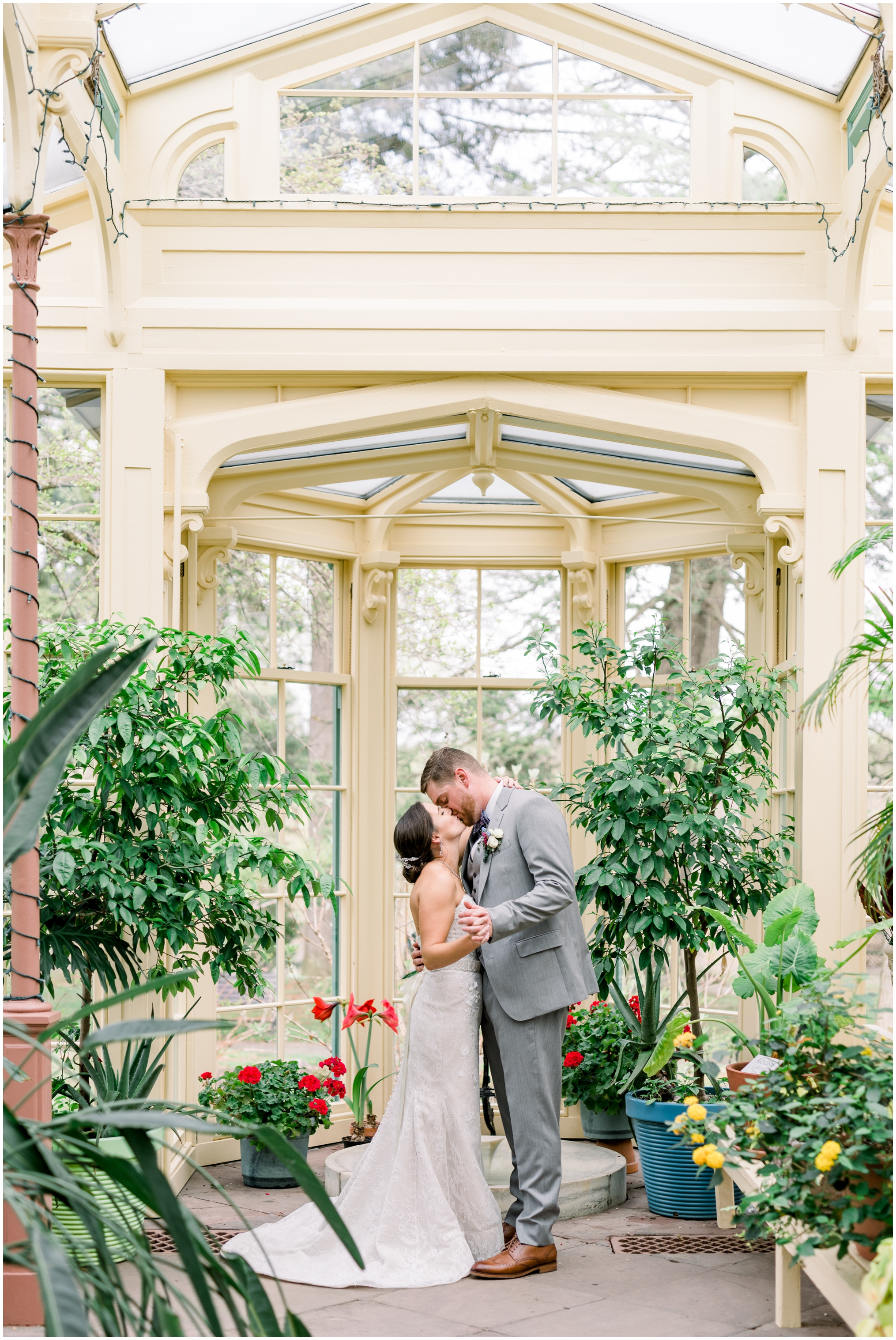 Krista Brackin Photography | April Wedding at The Carriage House at Rockwood Park_0078.jpg