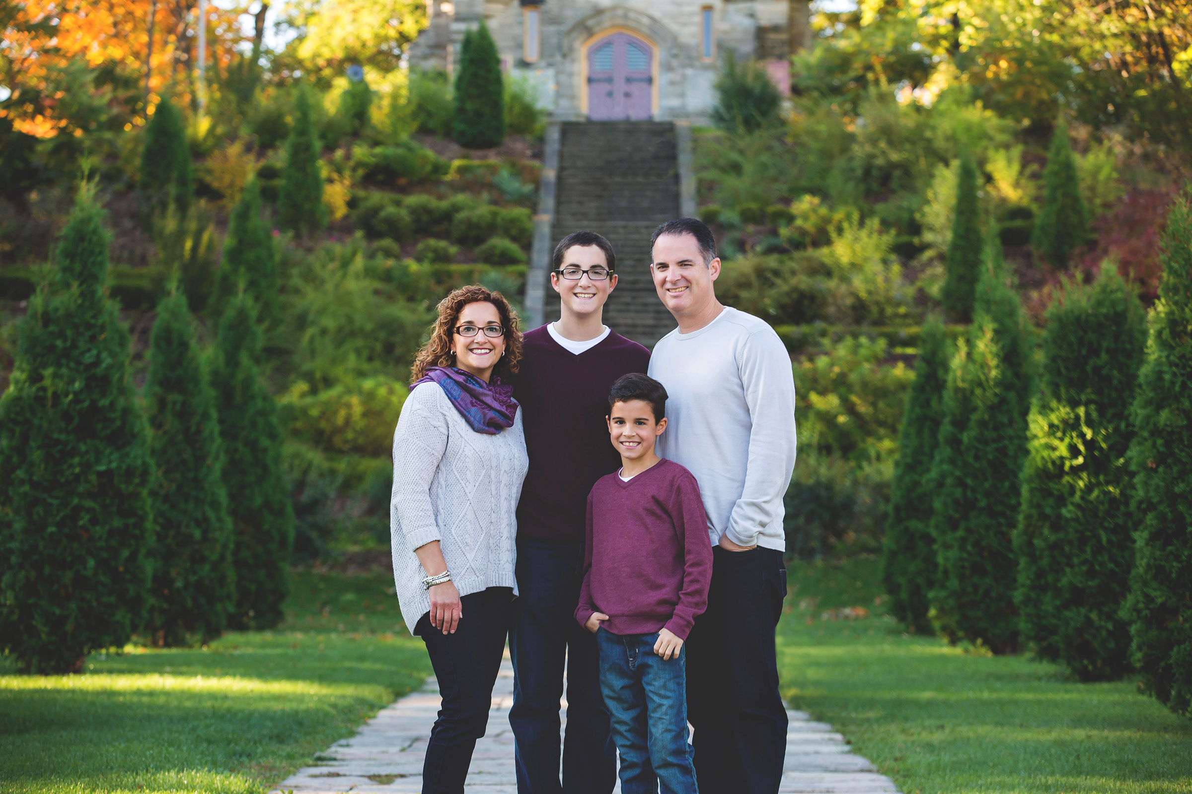 Family-Portraits-Hamilton-Stoney-Creek-Oakville-Burlington-Niagara-Photography-Moments-by-Lauren-Photographer-Lifestyle-Photo-Image5.png