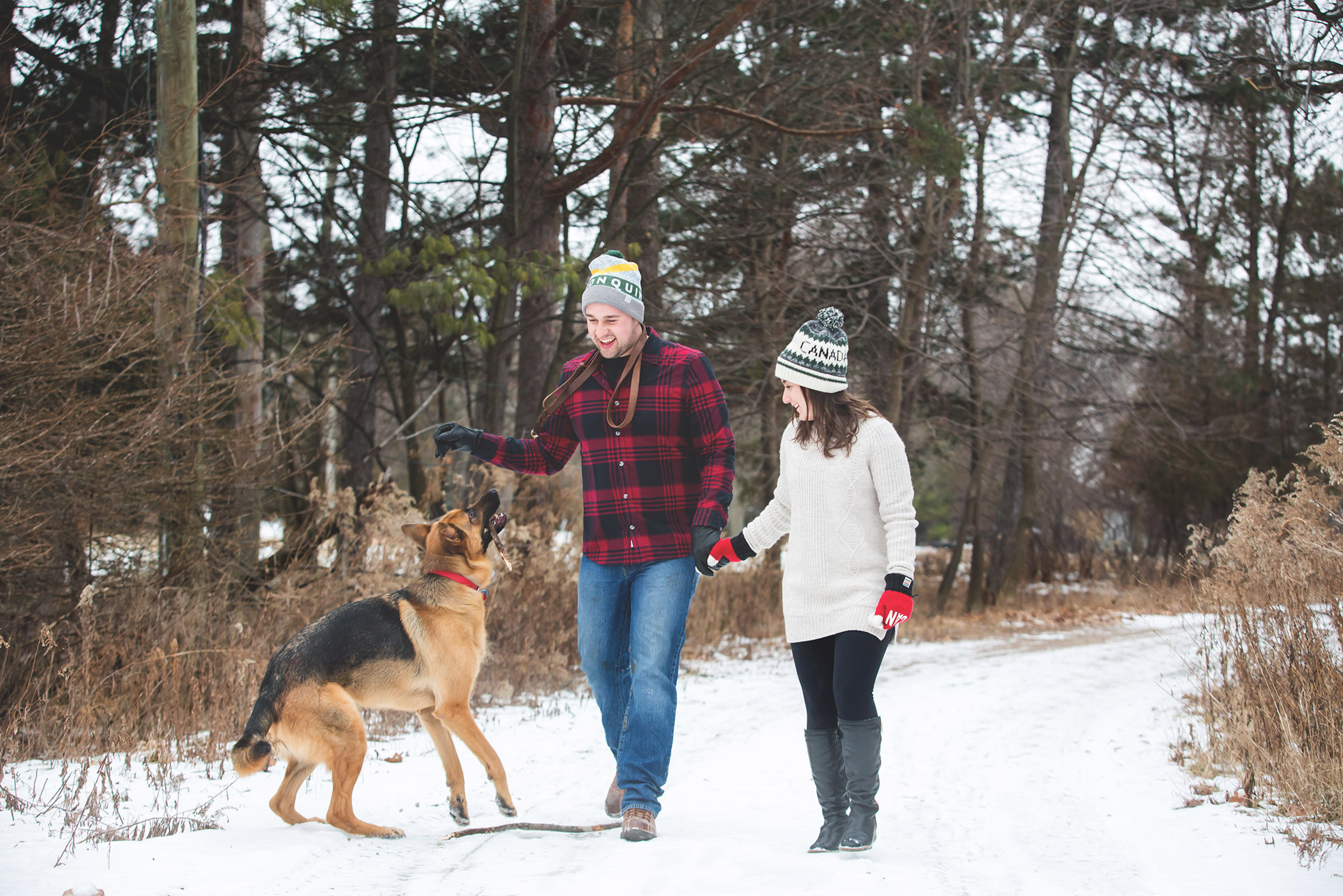 Engagement-Photos-Hamilton-Niagara-Toronto-Burlington-Oakville-Photographer-Engaged-Ring-Photography-Dog-Winter-Moments-by-Lauren-Image-8.png