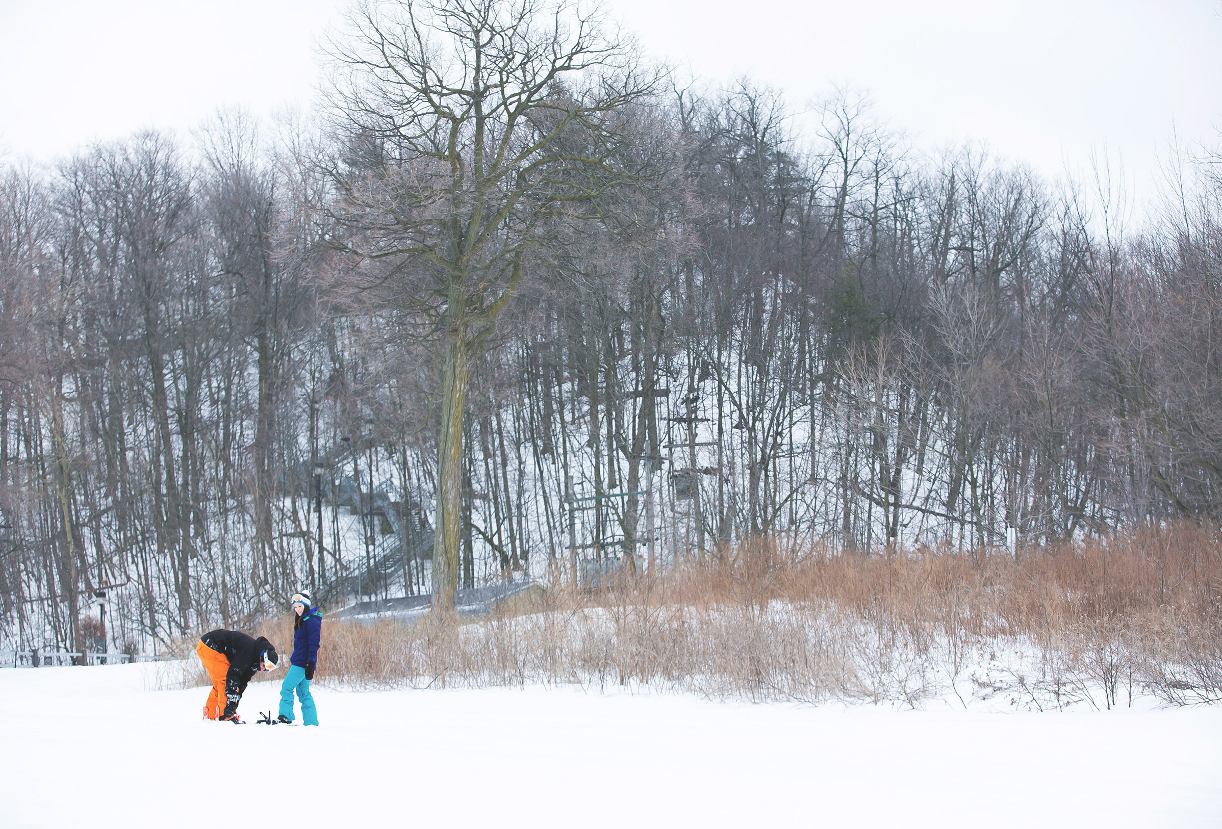 Engagement-Photos-Hamilton-Niagara-Toronto-Burlington-Oakville-Photographer-Engaged-Ring-Photography-Snowboarding-Winter-Moments-by-Lauren-Image-3.png