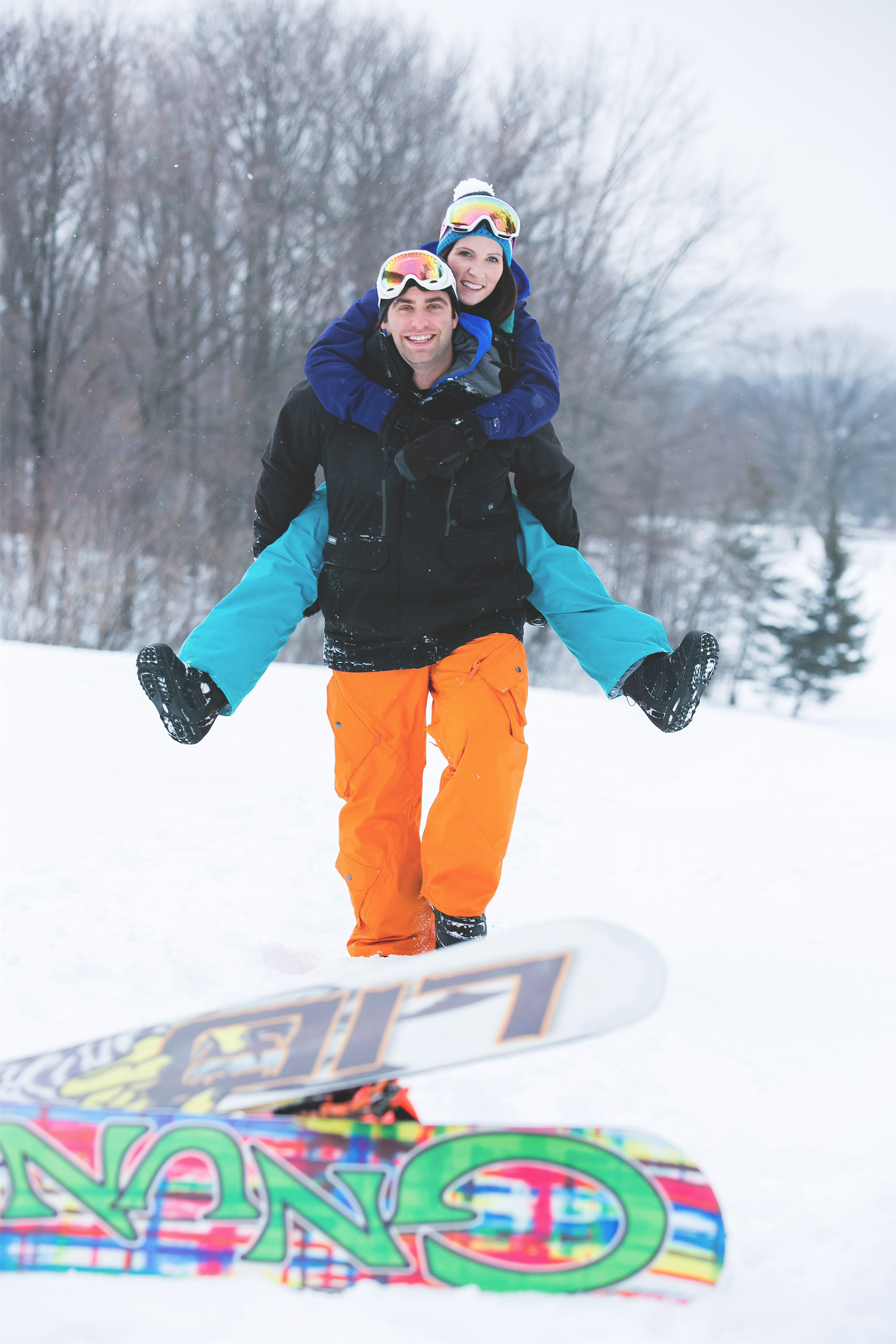 Engagement-Photos-Hamilton-Niagara-Toronto-Burlington-Oakville-Photographer-Engaged-Ring-Photography-Snowboarding-Winter-Moments-by-Lauren-Image-6.png