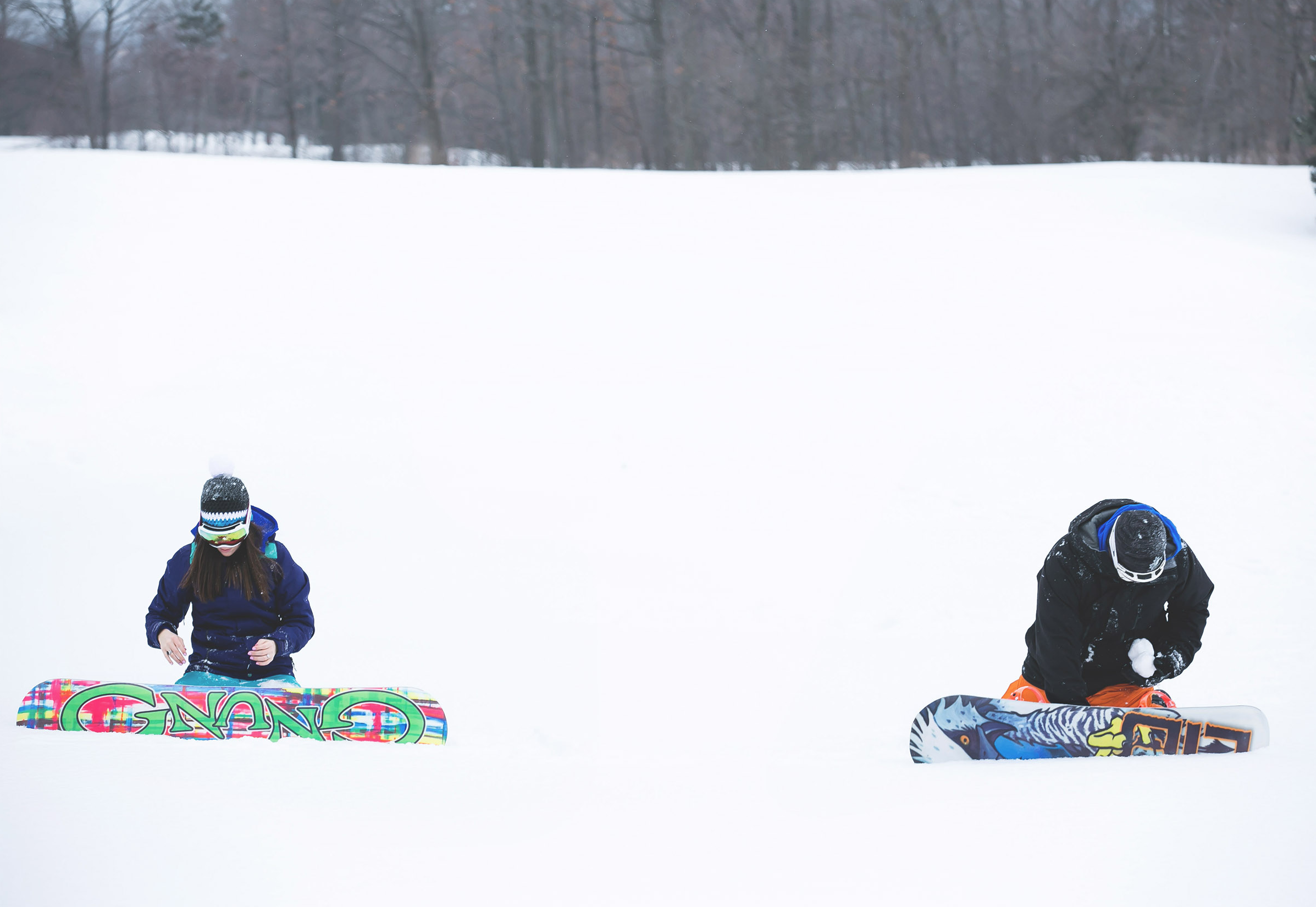 Engagement-Photos-Hamilton-Niagara-Toronto-Burlington-Oakville-Photographer-Engaged-Ring-Photography-Snowboarding-Winter-Moments-by-Lauren-Image-16.png