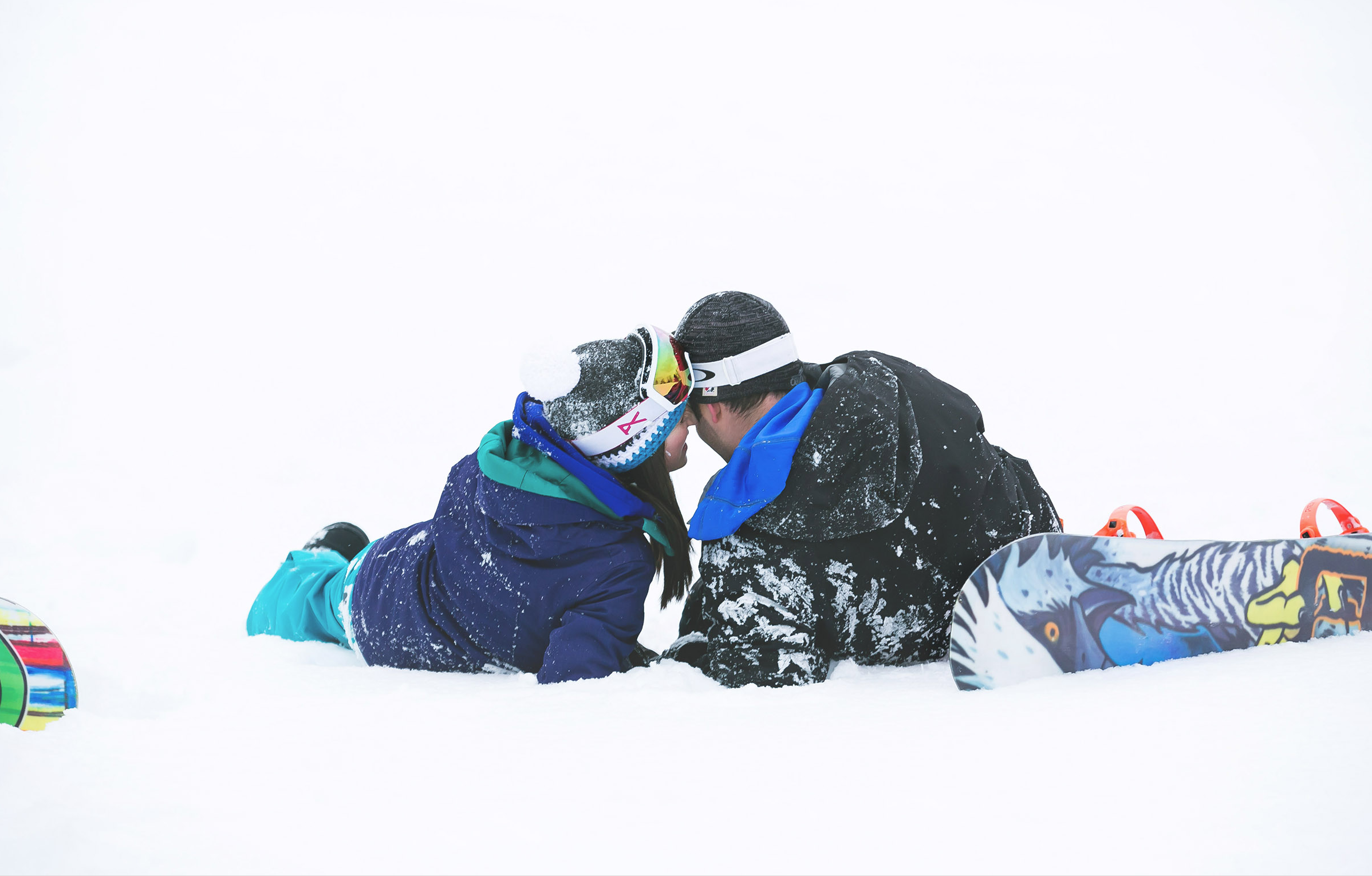 Engagement-Photos-Hamilton-Niagara-Toronto-Burlington-Oakville-Photographer-Engaged-Ring-Photography-Snowboarding-Winter-Moments-by-Lauren-Image-19.png