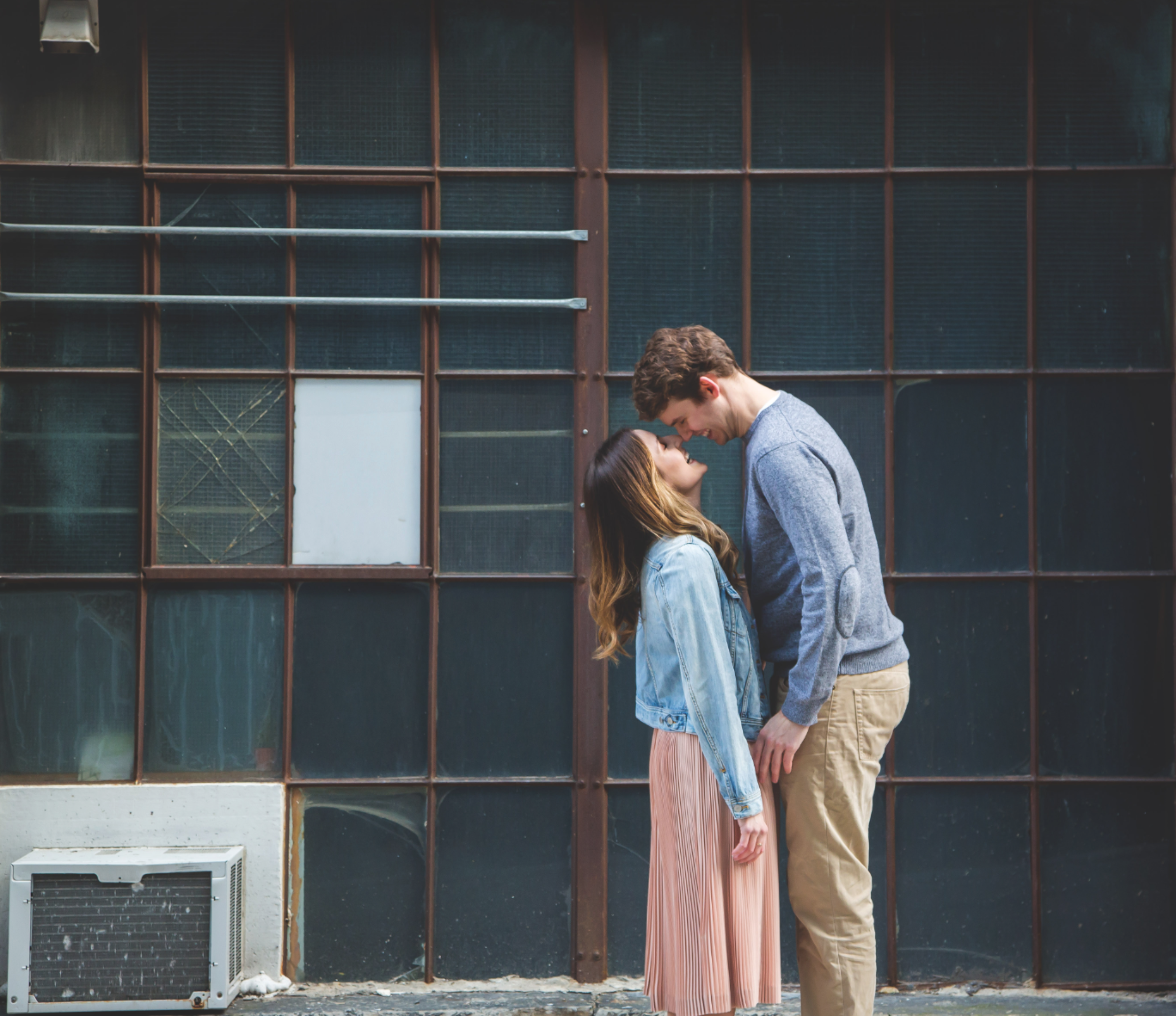 Engagement-Photos-Toronto-Corktown-Photographer-Wedding-Hamilton-GTA-Niagara-Oakville-Modern-Moments-by-Lauren-Engaged-Image-Photo5.png