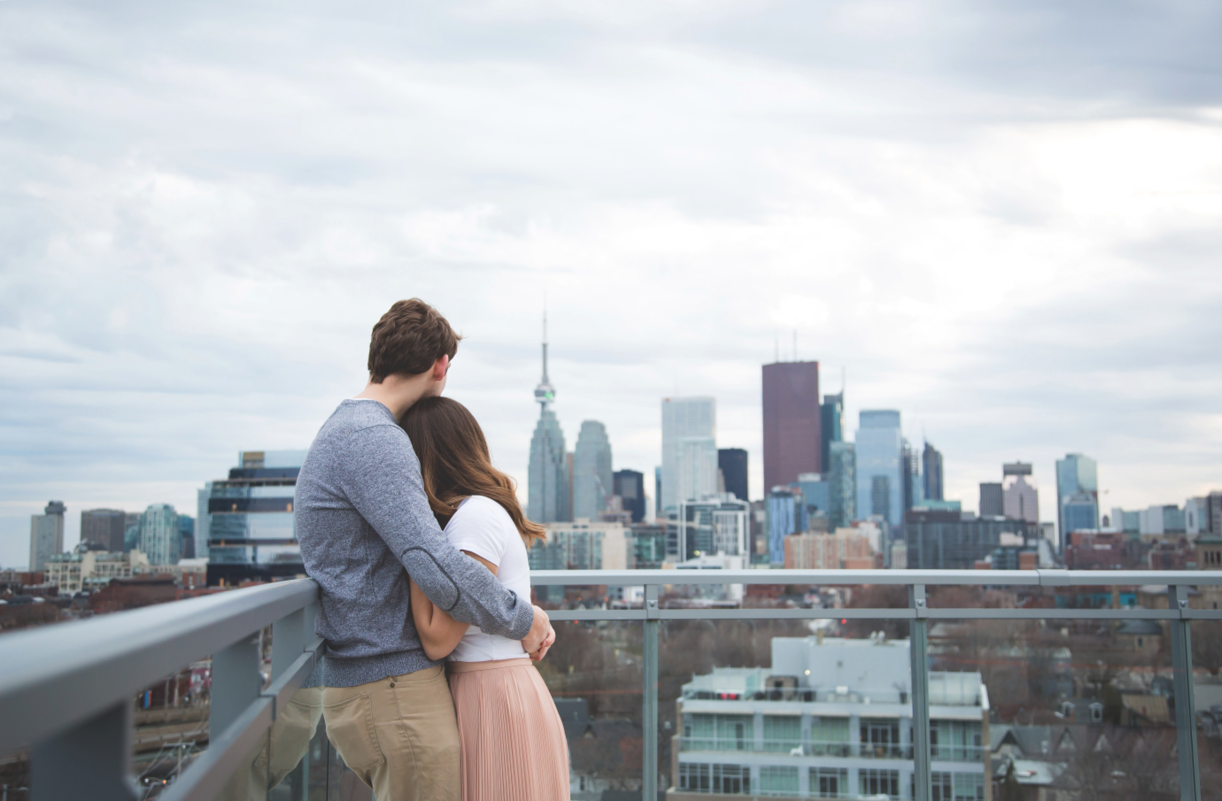 Engagement-Photos-Toronto-Corktown-Photographer-Wedding-Hamilton-GTA-Niagara-Oakville-Modern-Moments-by-Lauren-Engaged-Image-Photo14.png