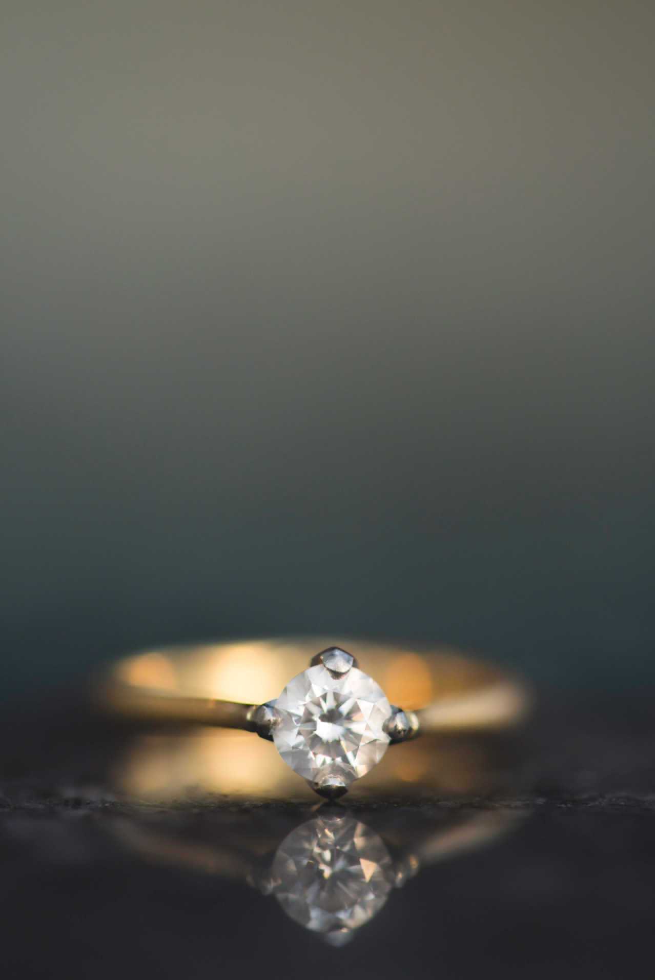 Engagement-Photos-Toronto-Corktown-Photographer-Wedding-Hamilton-GTA-Niagara-Oakville-Modern-Moments-by-Lauren-Engaged-Image-Photo22.png