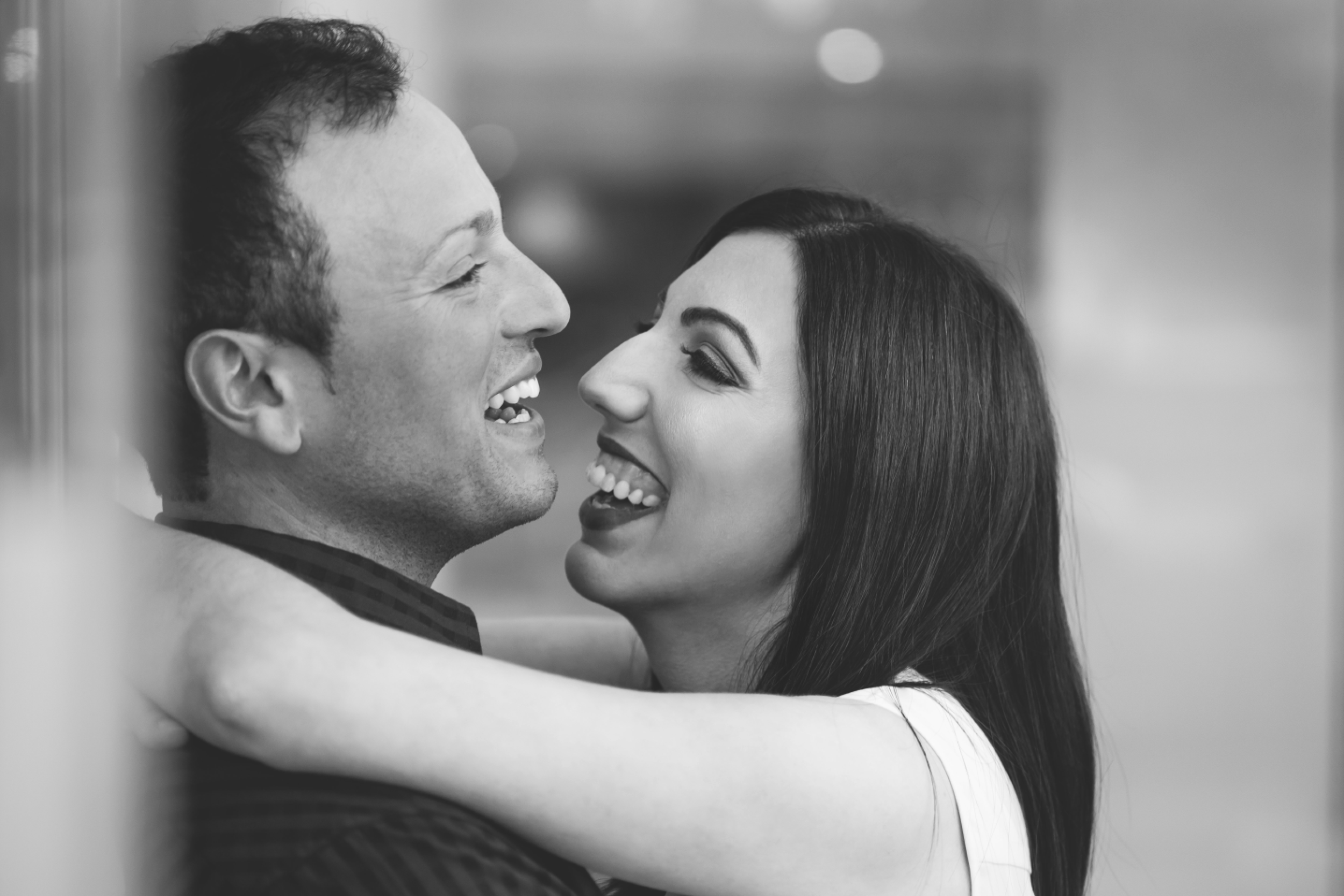 Hamilton-Engagement-Photographer-HamOnt-Engaged-Photography-Moments-by-Lauren-Wedding-Downtown-Ring-Toronto-GTA-Niagara-Oakville-Burlington-Modern-Photo-Image-7.png