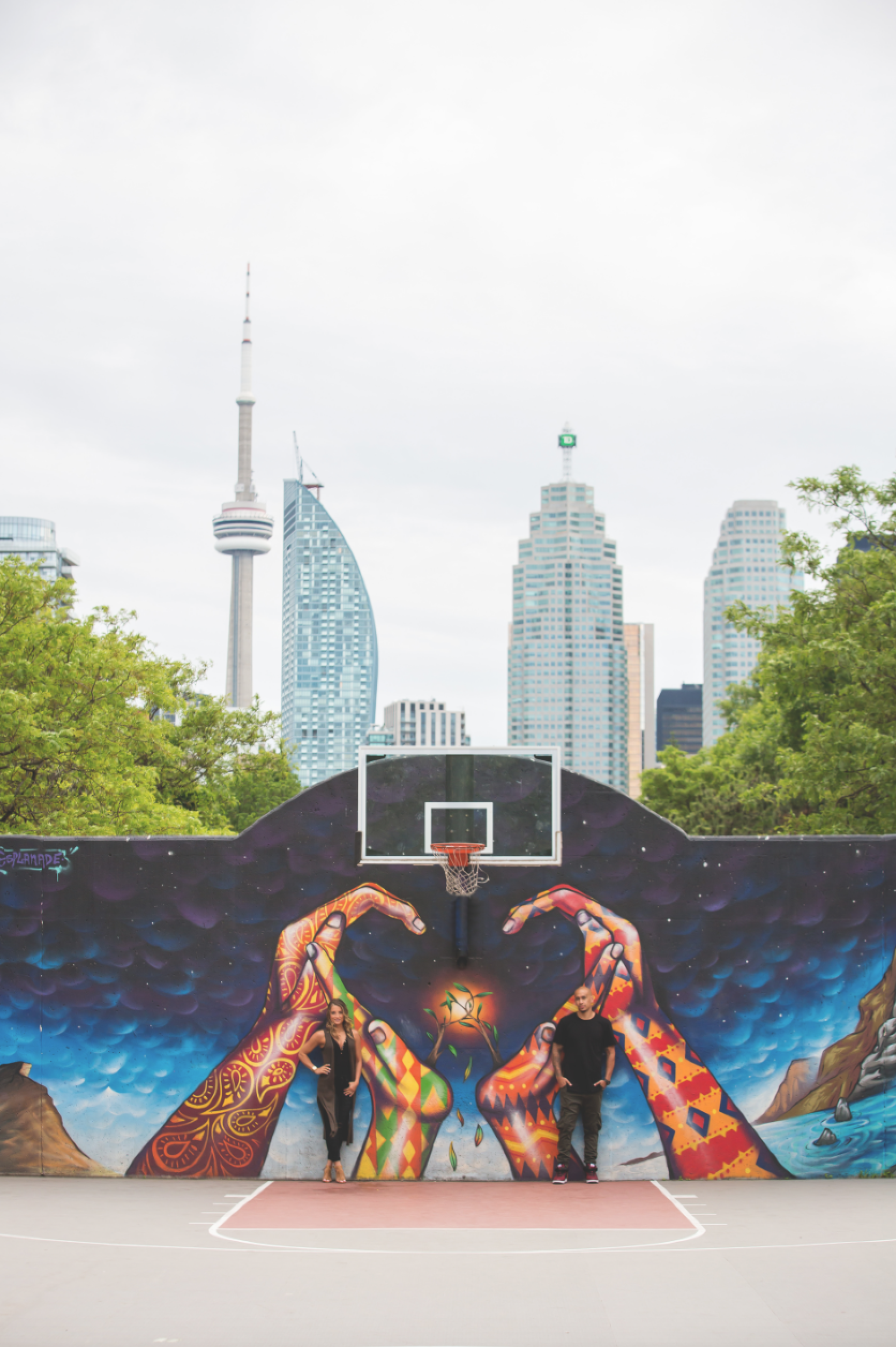 Engagement-Photos-Toronto-Downtown-Waterfront-Photographer-Wedding-Hamilton-GTA-Niagara-Oakville-Modern-Moments-by-Lauren-Engaged-Photography-Photo-Image-1.png