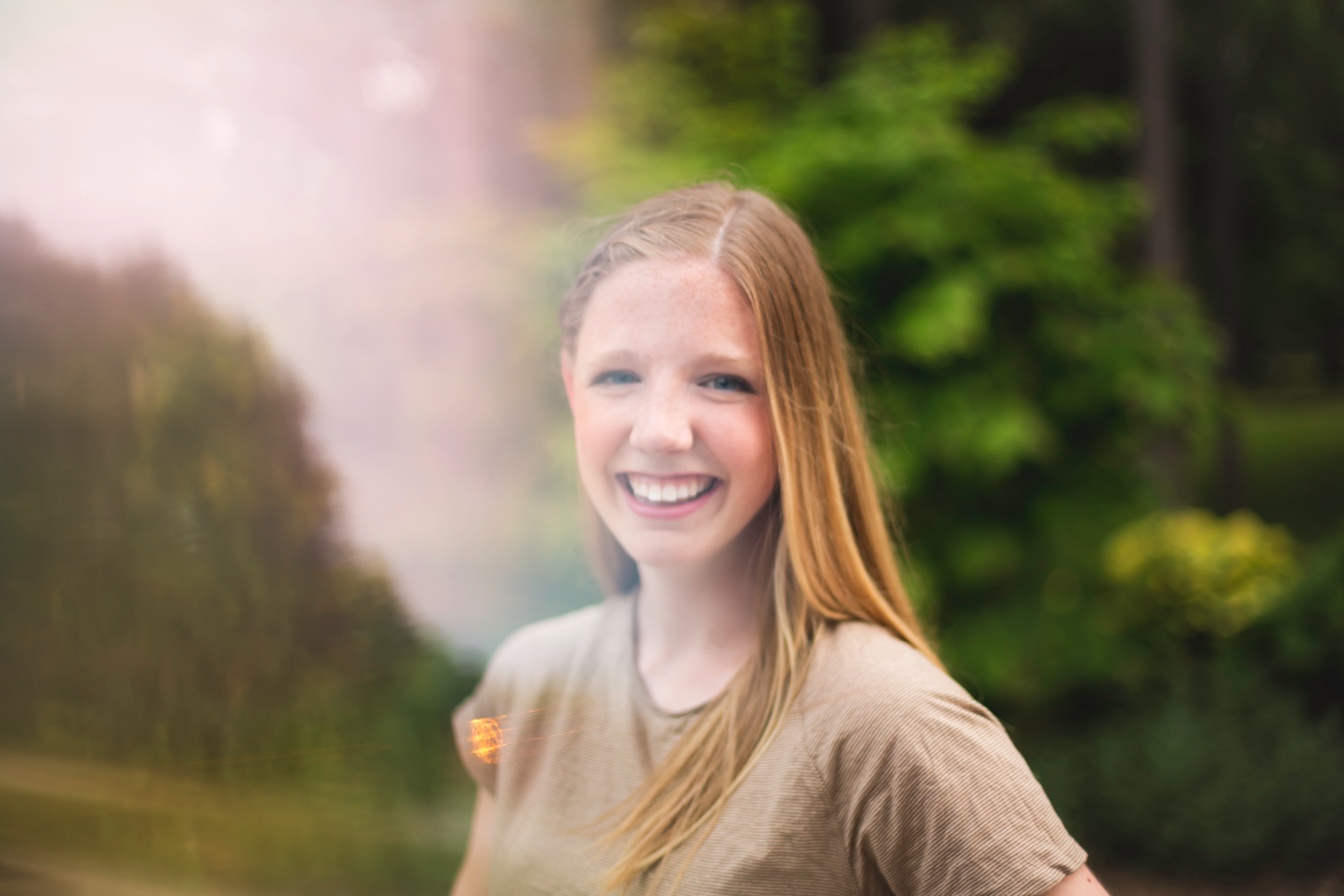 Hamilton-Portrait-Photographer-Senior-Portraits-Highschool-Graduation-Moments-by-Lauren-Photography-Burlington-Oakville-Toronto-Niagara-Photographer-Image-4.png
