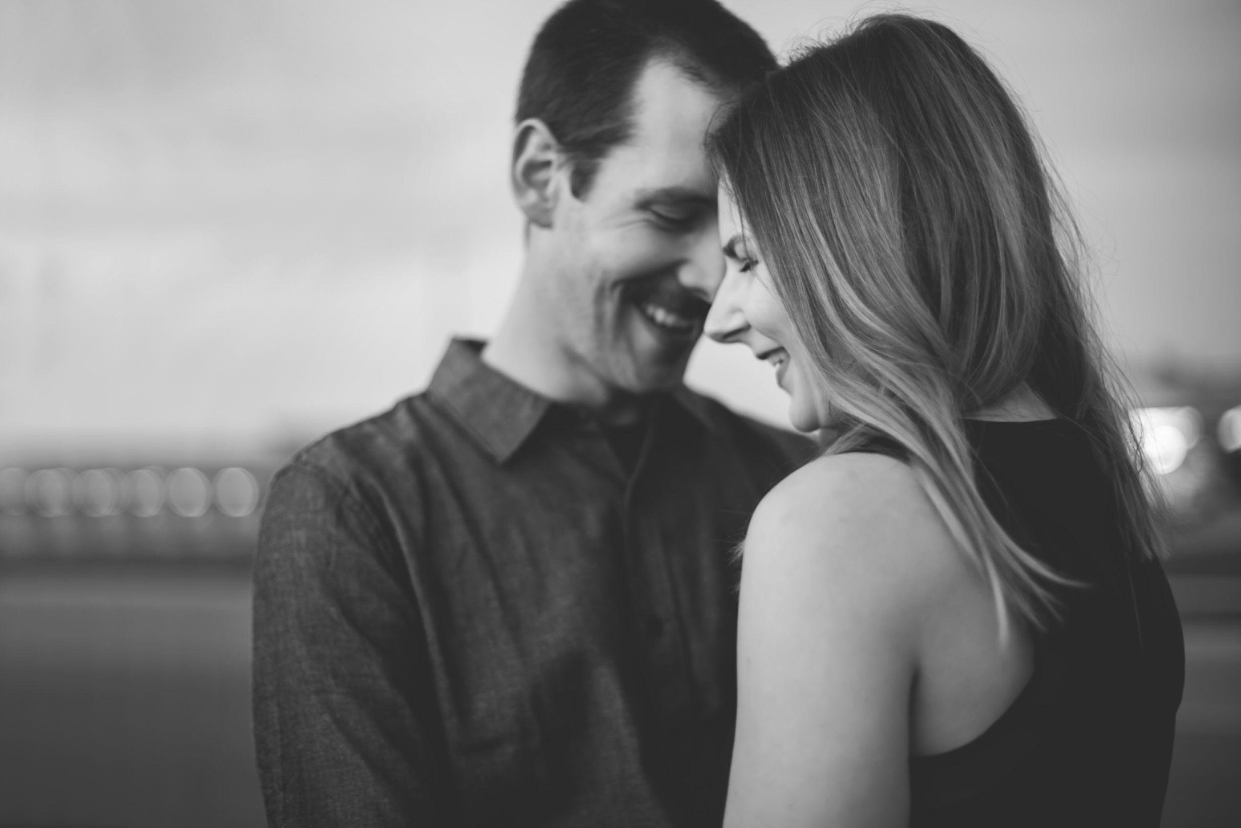 Engagement-Session-Brantford-Hamilton-Burlington-Oakville-Niagara-Toronto-Wedding-Photographer-Engaged-Photography-Golden-Hour-Moments-by-Lauren-Photo-Image-13.png