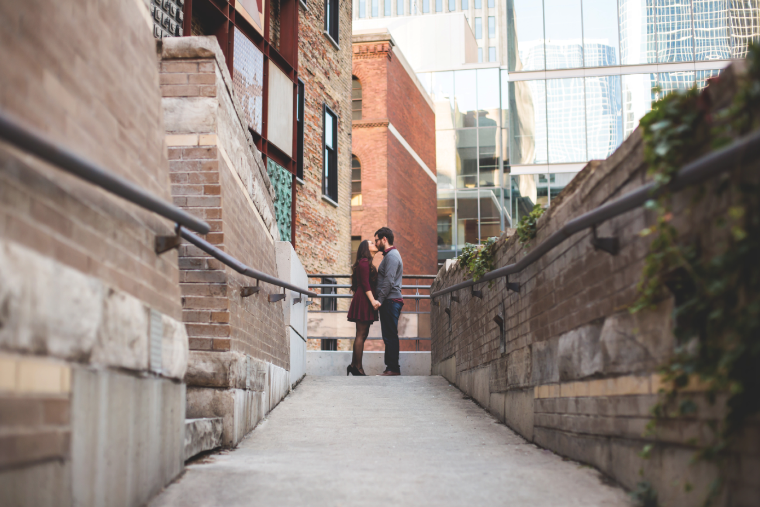 Engagement-Session-Hamilton-Burlington-Oakville-Niagara-Toronto-Wedding-Photographer-Engaged-Photography-Urban-Engaged-Downtown-Golden-Hour-Moments-by-Lauren-Photo-Image-8.png