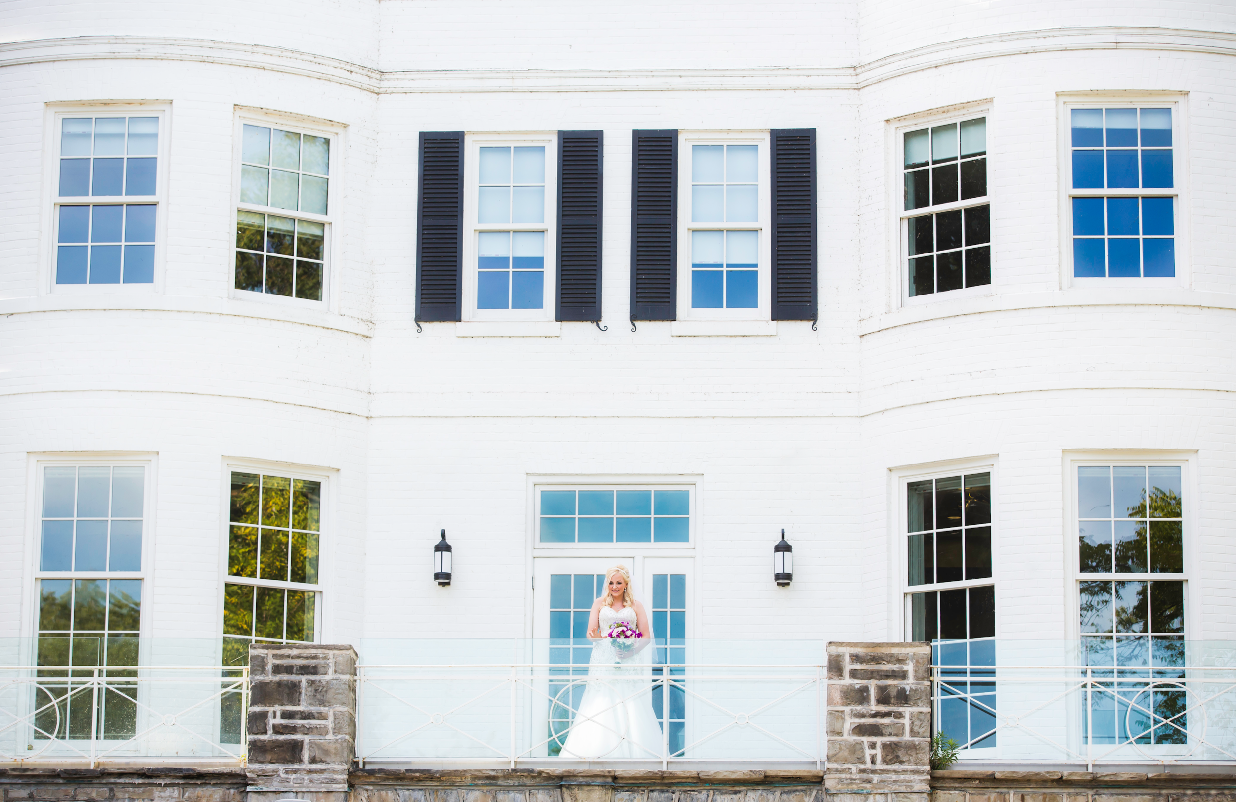 Moments-by-Lauren-Modern-Fun-Authentic-Wedding-Lifestyle-Family-Photographer-Hamilton-Burlington-Niagara-Oakville-Toronto-Muskoka-Ontario-Photography-Photo-Image-82.png