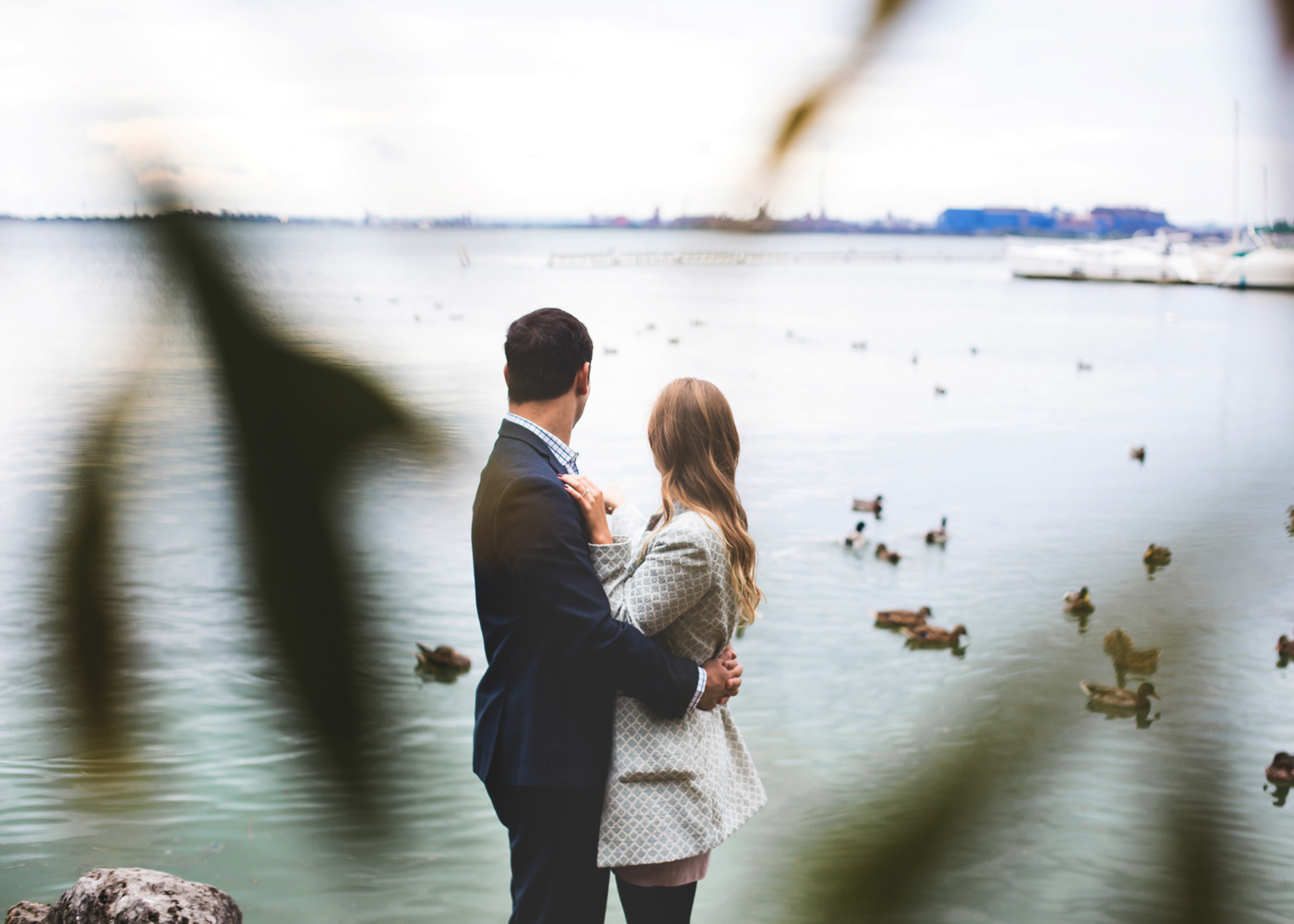 Engagement-Session-Hamilton-Burlington-Oakville-Niagara-Toronto-Wedding-Photographer-Engaged-Photography-Waterfront-Engaged-Golden-Hour-Moments-by-Lauren-Photo-Image-5.png