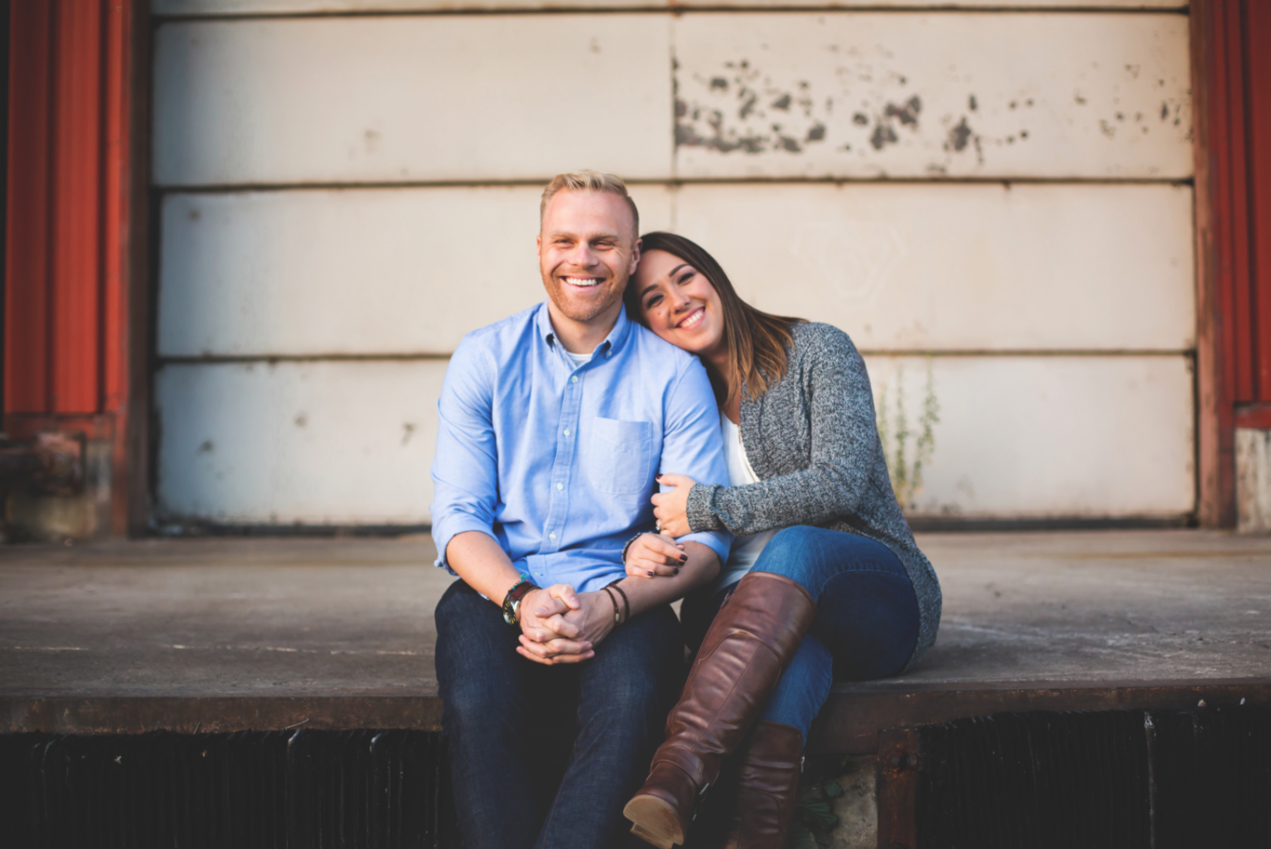 Engagement-Session-Downtown-Hamilton-Burlington-Oakville-Niagara-Toronto-Wedding-Photographer-Engaged-Photography-Waterfront-Urban-HamOnt-Engaged-Golden-Hour-Moments-by-Lauren-Photo-Image-6.png