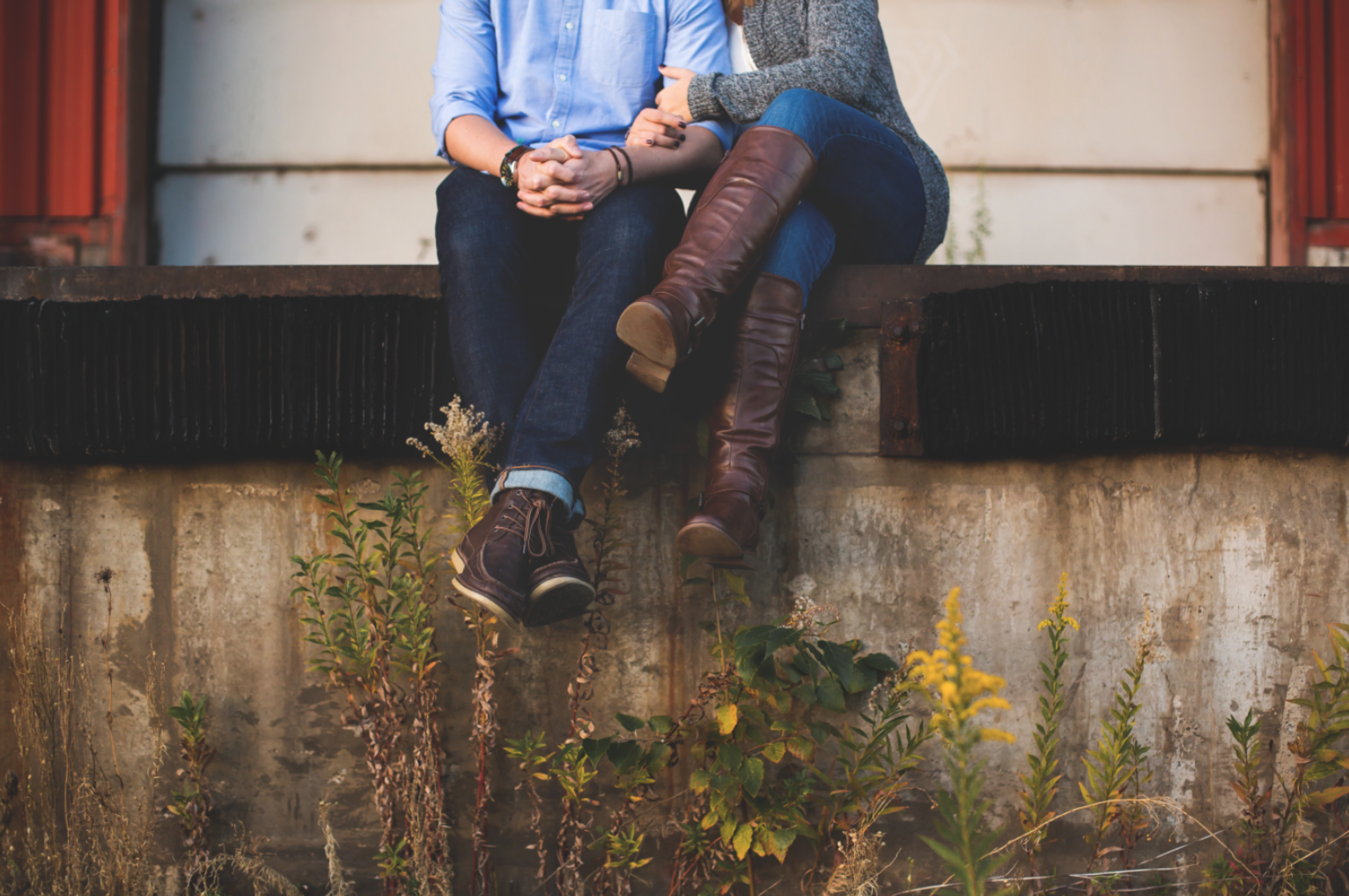 Engagement-Session-Downtown-Hamilton-Burlington-Oakville-Niagara-Toronto-Wedding-Photographer-Engaged-Photography-Waterfront-Urban-HamOnt-Engaged-Golden-Hour-Moments-by-Lauren-Photo-Image-8.png