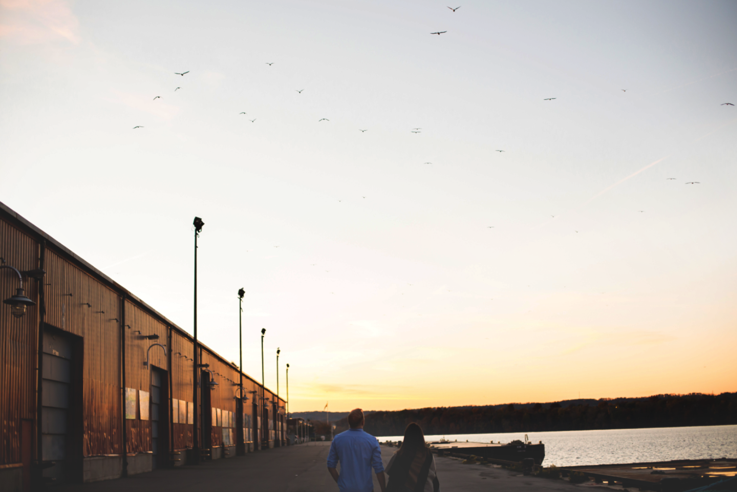 Engagement-Session-Downtown-Hamilton-Burlington-Oakville-Niagara-Toronto-Wedding-Photographer-Engaged-Photography-Waterfront-Urban-HamOnt-Engaged-Golden-Hour-Moments-by-Lauren-Photo-Image-11.png
