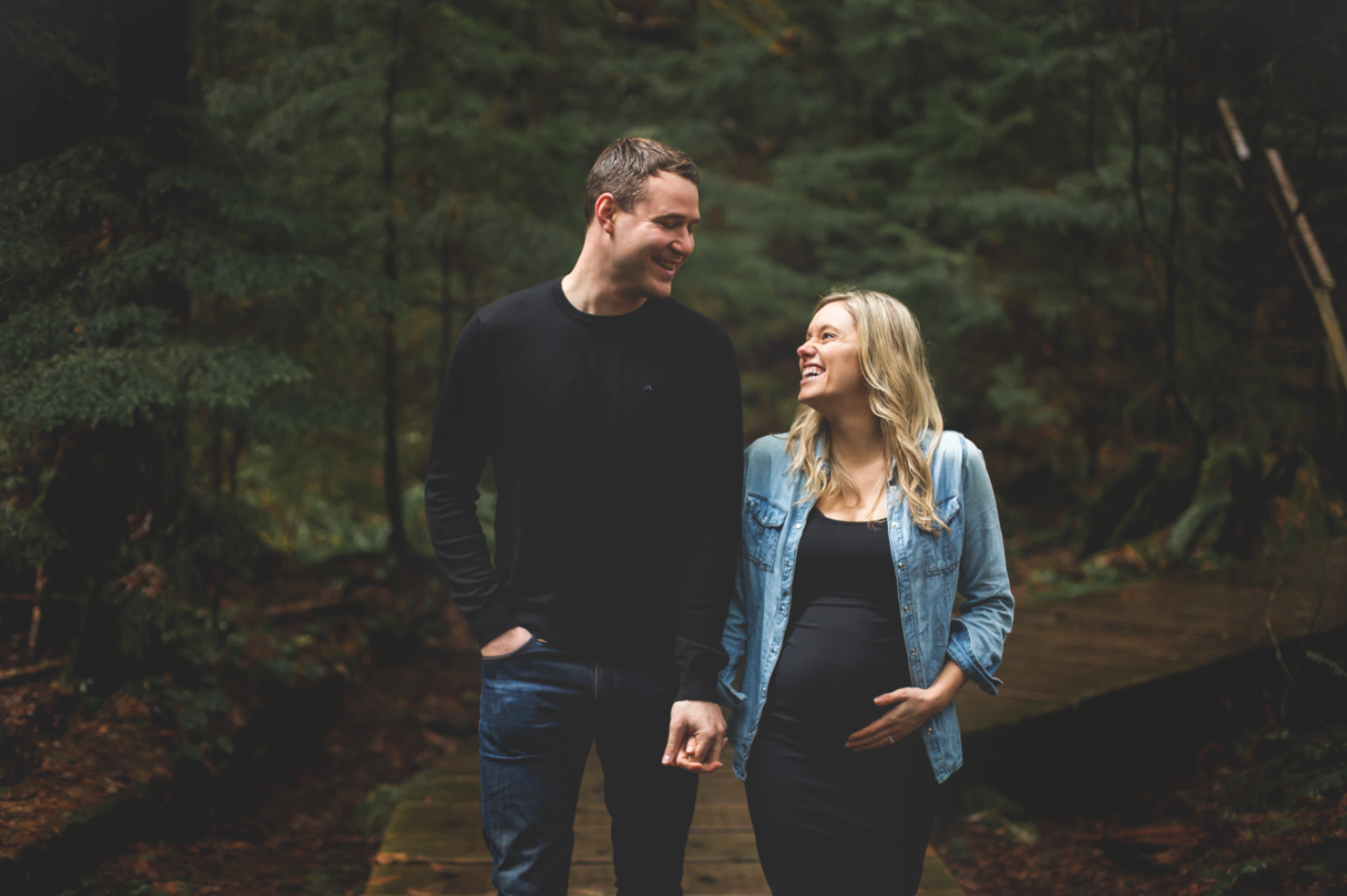 Maternity-Session-North-Vancouver-Lynn-Canyon-BC-Hamilton-Burlington-Oakville-Niagara-Toronto-Wedding-Portrait-Photographer-Expecting-Photography-Waterfront-HamOnt-Golden-Hour-Moments-by-Lauren-Photo-Image-7.png