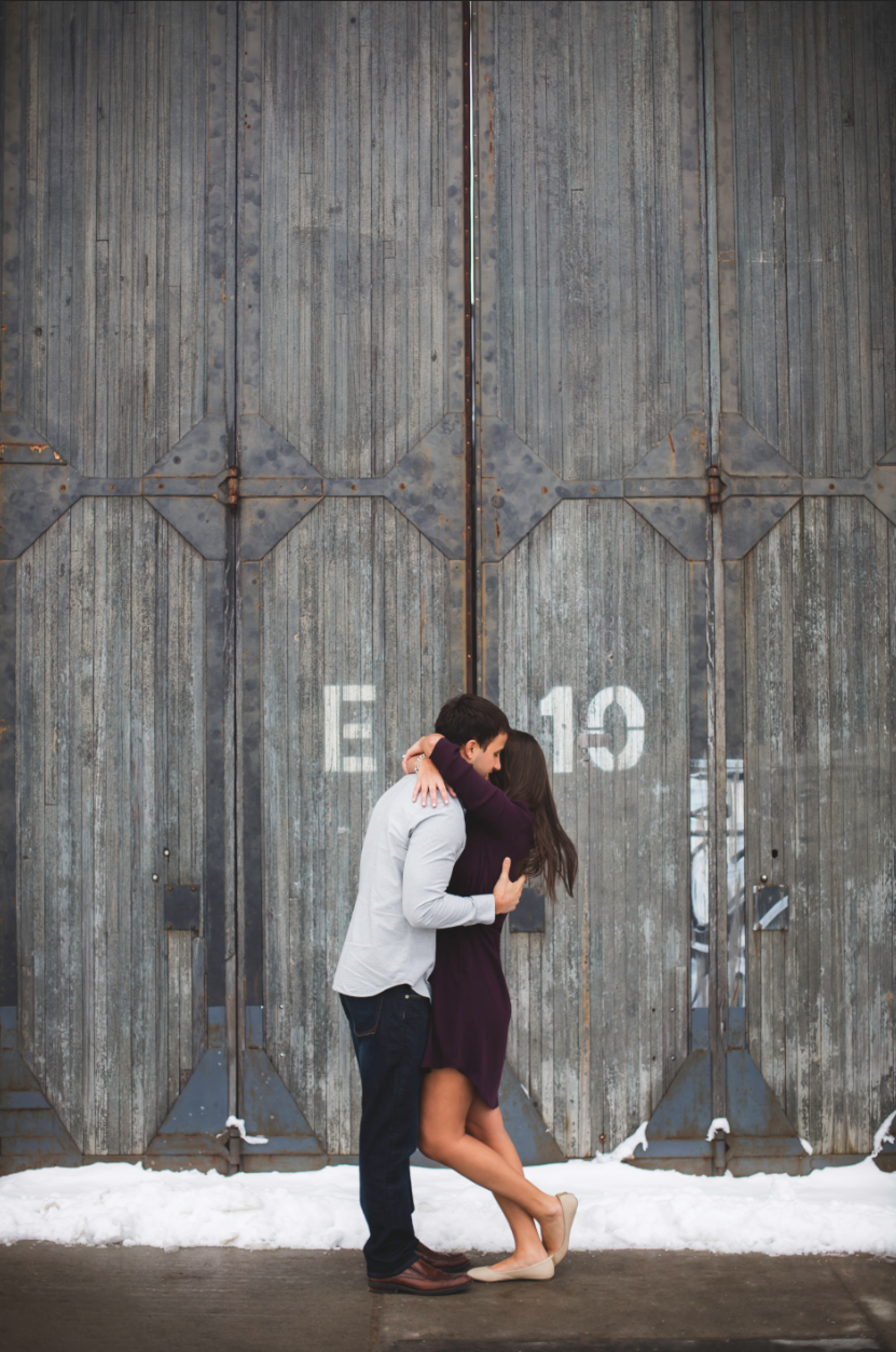 Engagement-Session-Downtown-Toronto-Hamilton-Burlington-Oakville-Niagara-Wedding-Photographer-Engaged-Photography-Artscape-Wynchwood-Barn-Urban-HamOnt-Engaged-Moments-by-Lauren-Photo-Image-16.png