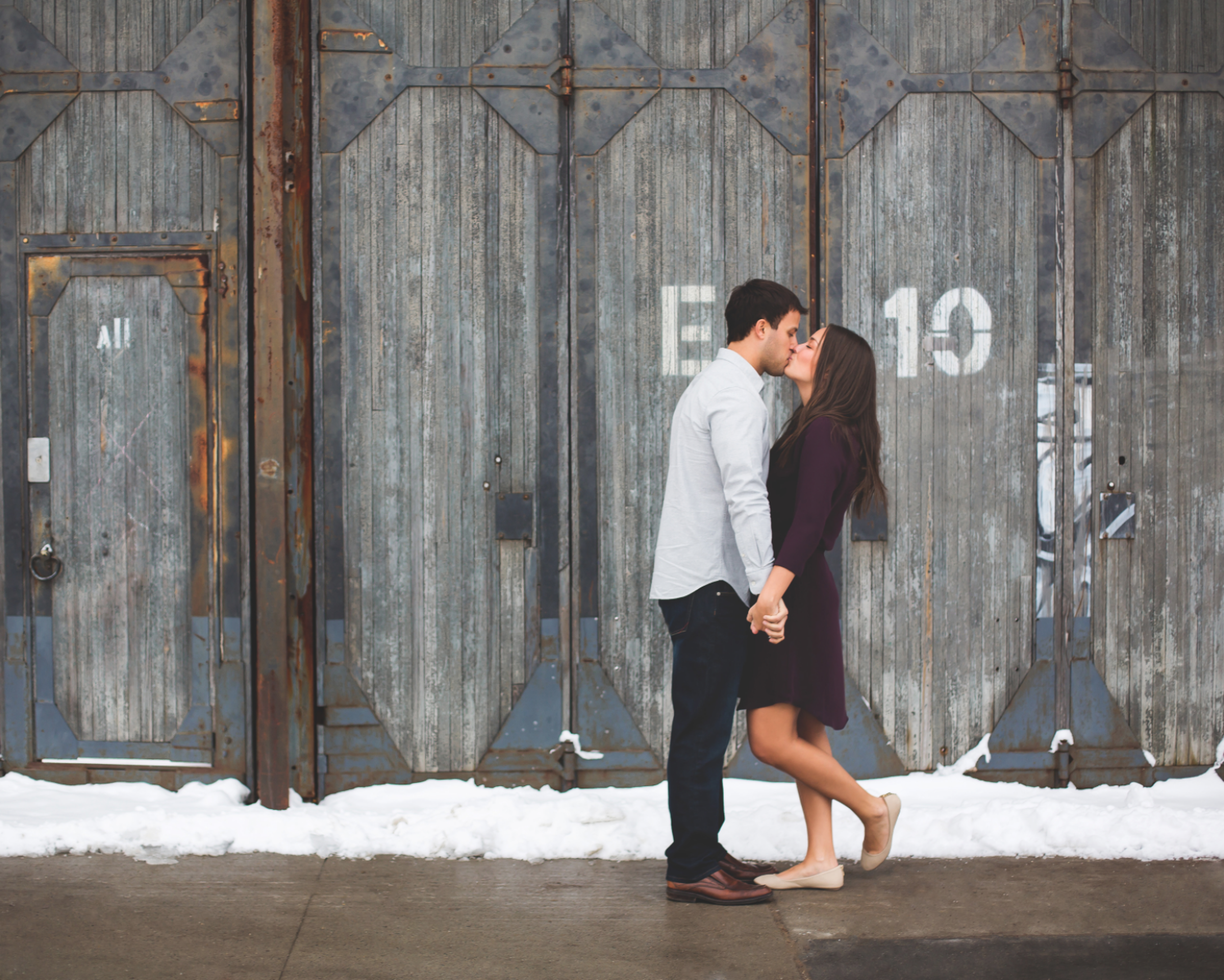 Engagement-Session-Downtown-Toronto-Hamilton-Burlington-Oakville-Niagara-Wedding-Photographer-Engaged-Photography-Artscape-Wynchwood-Barn-Urban-HamOnt-Engaged-Moments-by-Lauren-Photo-Image-15.png