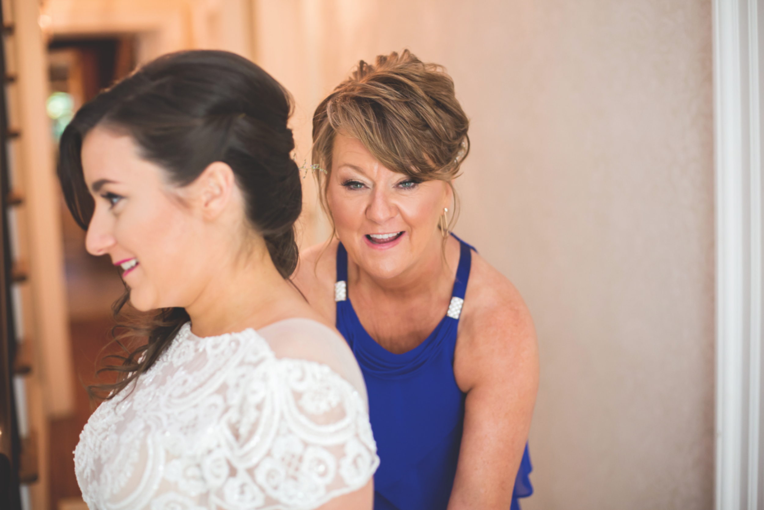 Wedding-Kurtz-Orchard-Market-Niagara-On-The-Lake-Toronto-Hamilton-Burlington-Oakville-Niagara-Wedding-Photographer-Photography-Moments-by-Lauren-Photo-Image-8.png