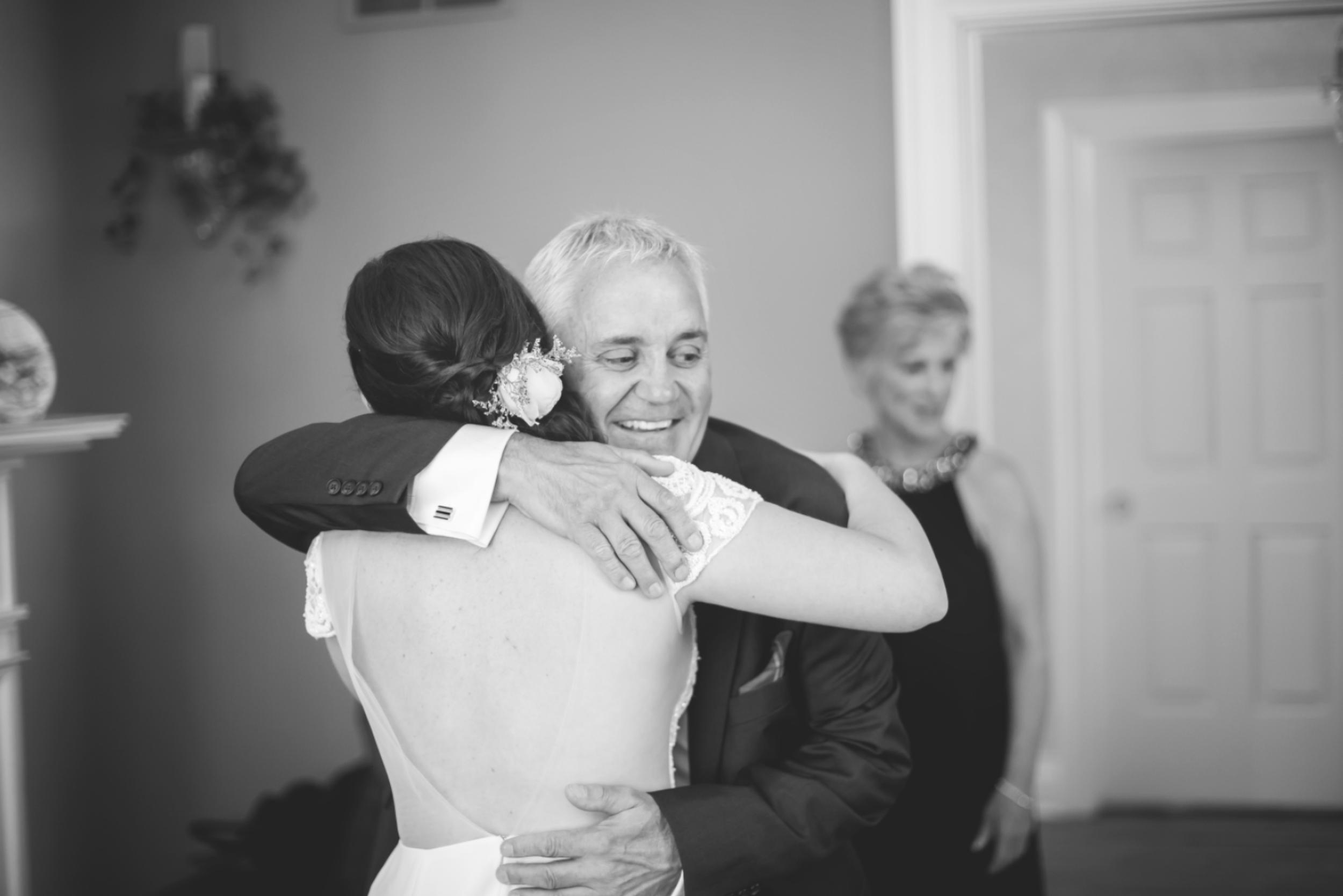 Wedding-Kurtz-Orchard-Market-Niagara-On-The-Lake-Toronto-Hamilton-Burlington-Oakville-Niagara-Wedding-Photographer-Photography-Moments-by-Lauren-Photo-Image-13.png
