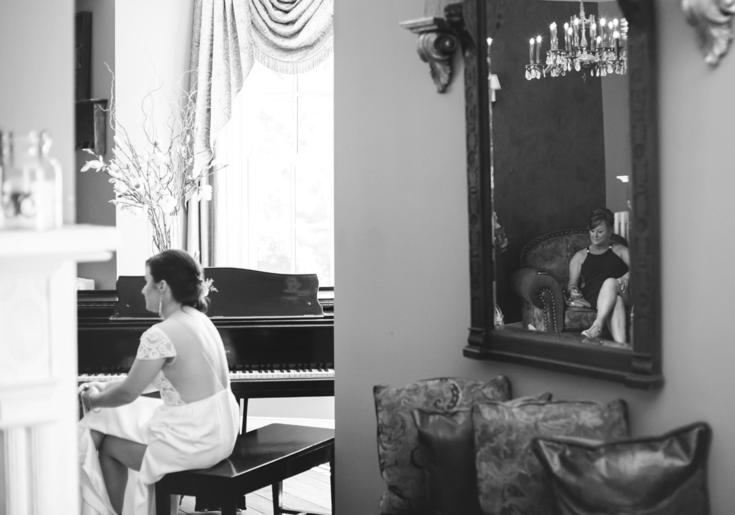 Wedding-Kurtz-Orchard-Market-Niagara-On-The-Lake-Toronto-Hamilton-Burlington-Oakville-Niagara-Wedding-Photographer-Photography-Moments-by-Lauren-Photo-Image-14.png
