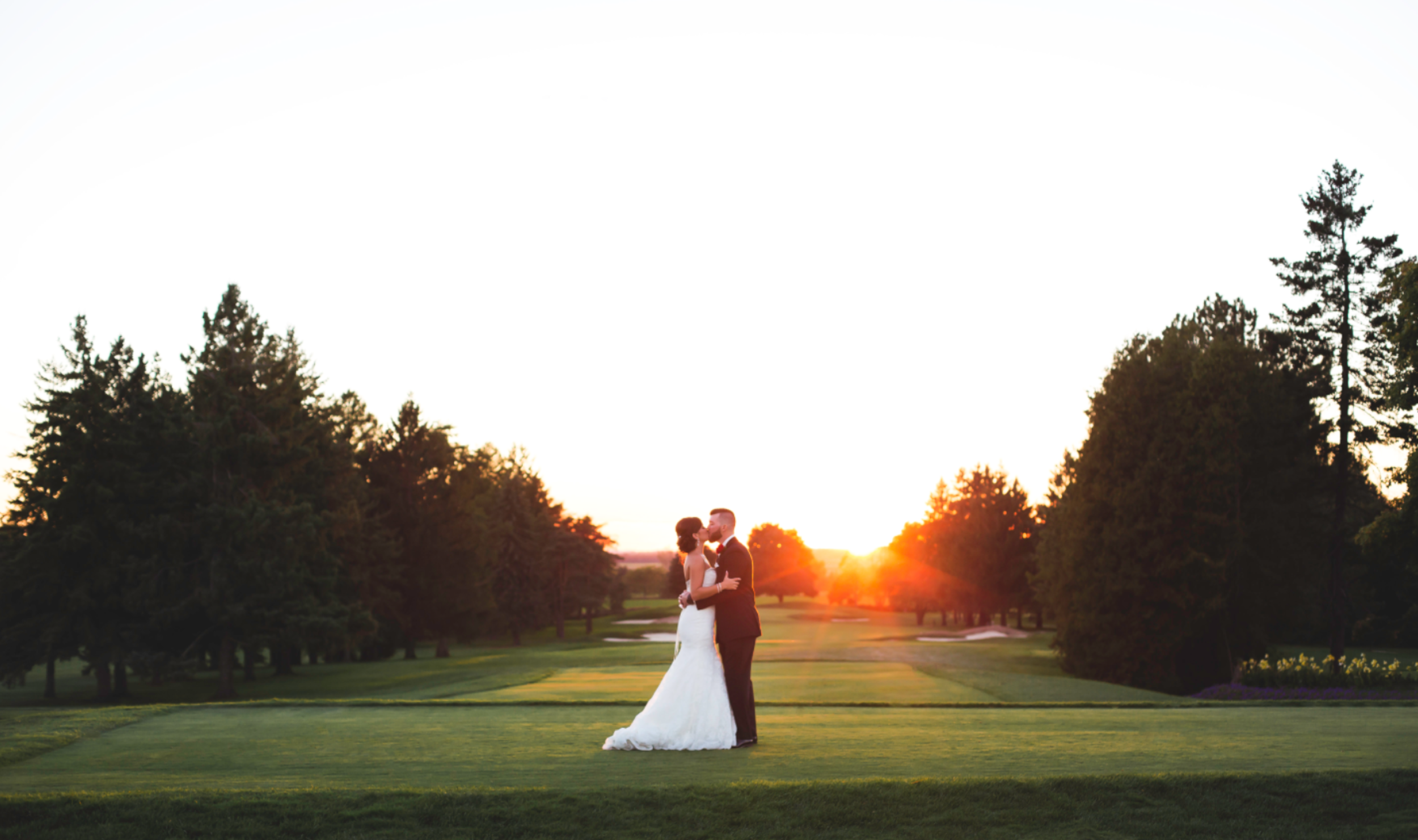 Wedding-Photography-Hamilton-Burlington-Oakville-Toronto-Niagara-Photographer-Moments-by-Lauren-Sunset-Golden-Hour-Photos-HamOnt-Beverly-Golf-And-Country-Club-Golf-Course-Bride-Groom-Image-2.png