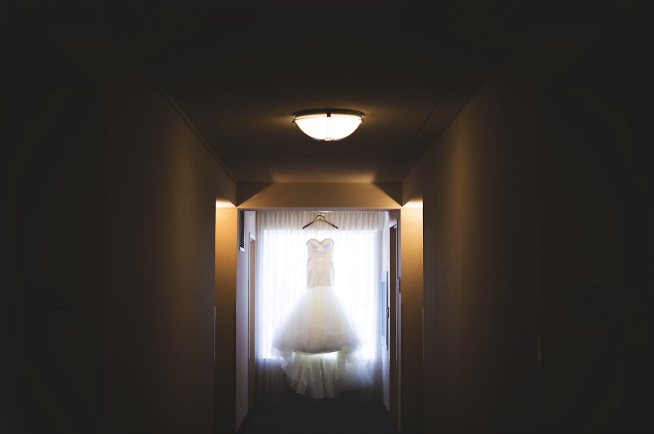 Wedding-Burlington-Convention-Center-Burlington-Oakville-Toronto-Hamilton-Niagara-Wedding-Photographer-Photography-Moments-by-Lauren-Photo-Image-2.png