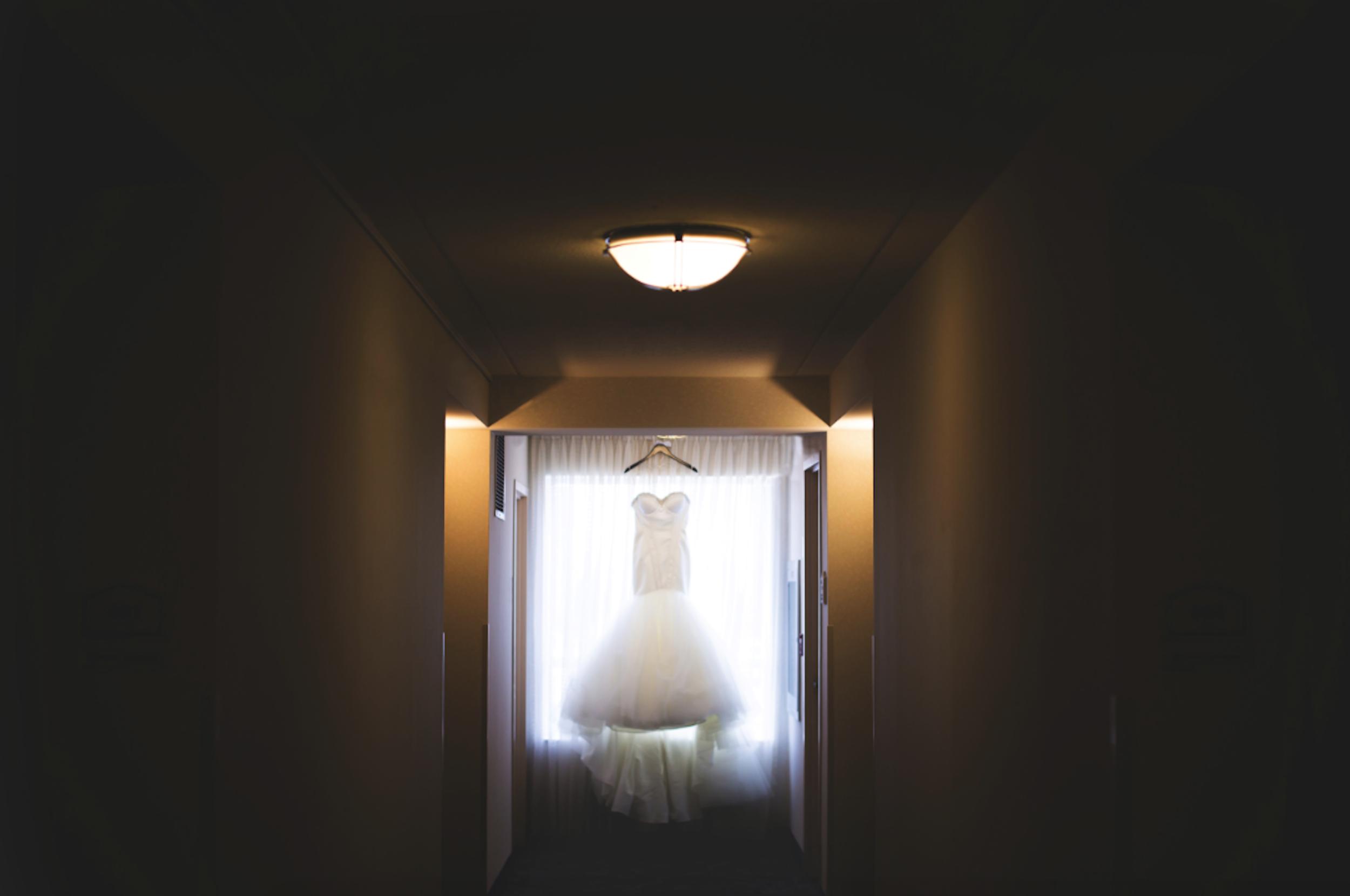Wedding-Burlington-Convention-Center-Burlington-Oakville-Toronto-Hamilton-Niagara-Wedding-Photographer-Photography-Moments-by-Lauren-Photo-Image-2.png