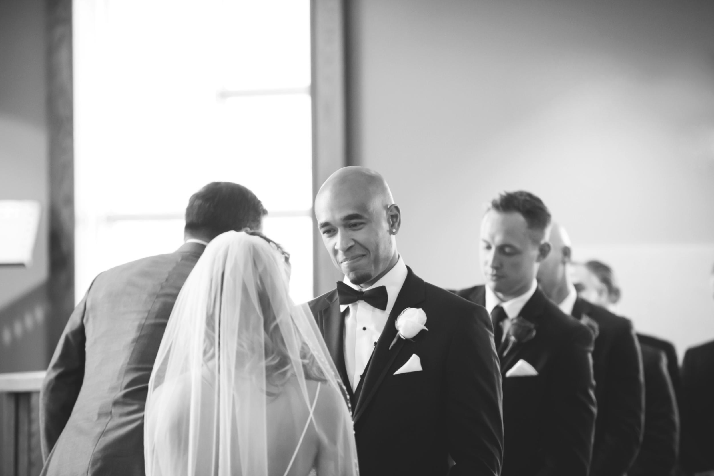 Wedding-Burlington-Convention-Center-Burlington-Oakville-Toronto-Hamilton-Niagara-Wedding-Photographer-Photography-Moments-by-Lauren-Photo-Image-19.png