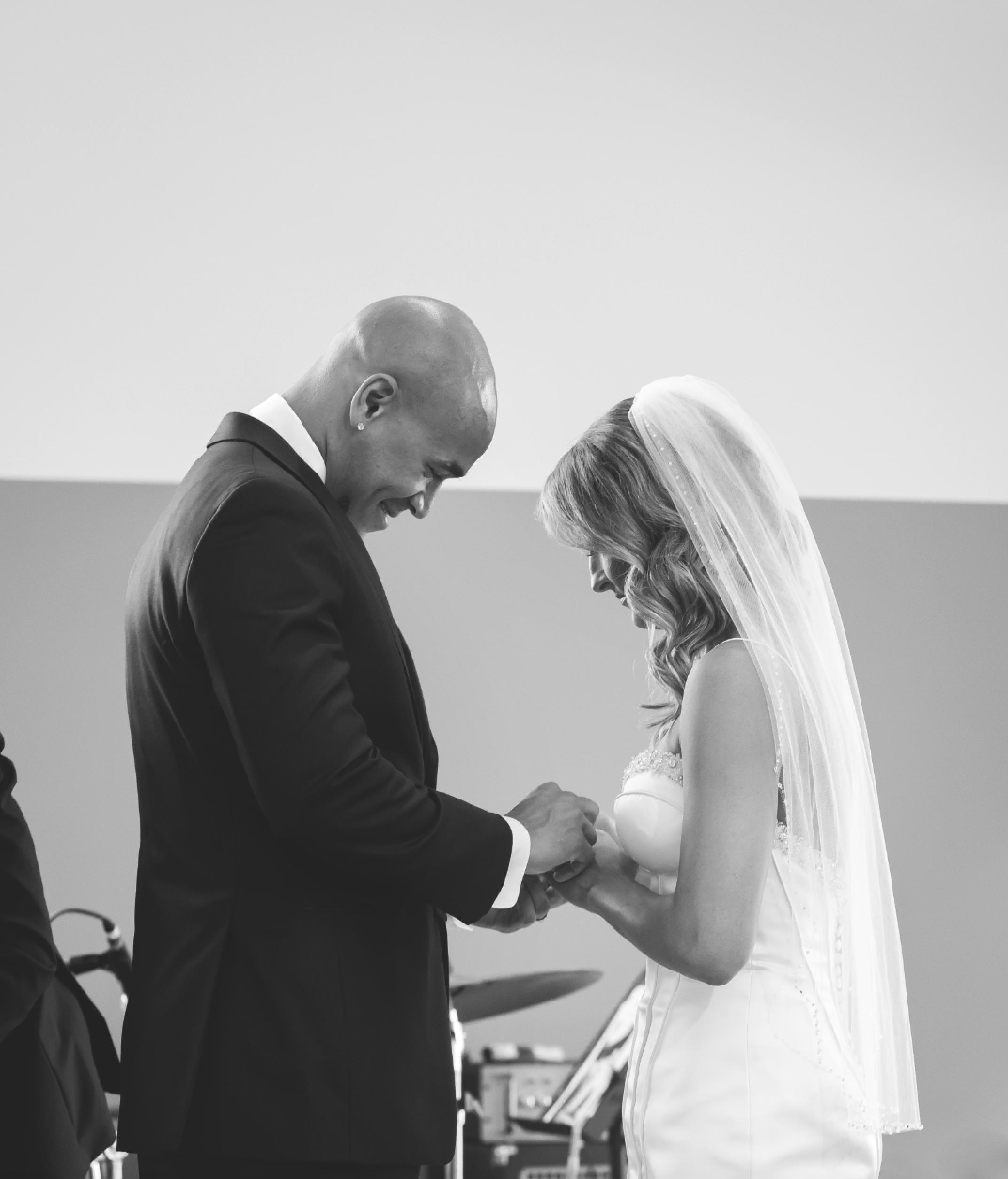 Wedding-Burlington-Convention-Center-Burlington-Oakville-Toronto-Hamilton-Niagara-Wedding-Photographer-Photography-Moments-by-Lauren-Photo-Image-24.png