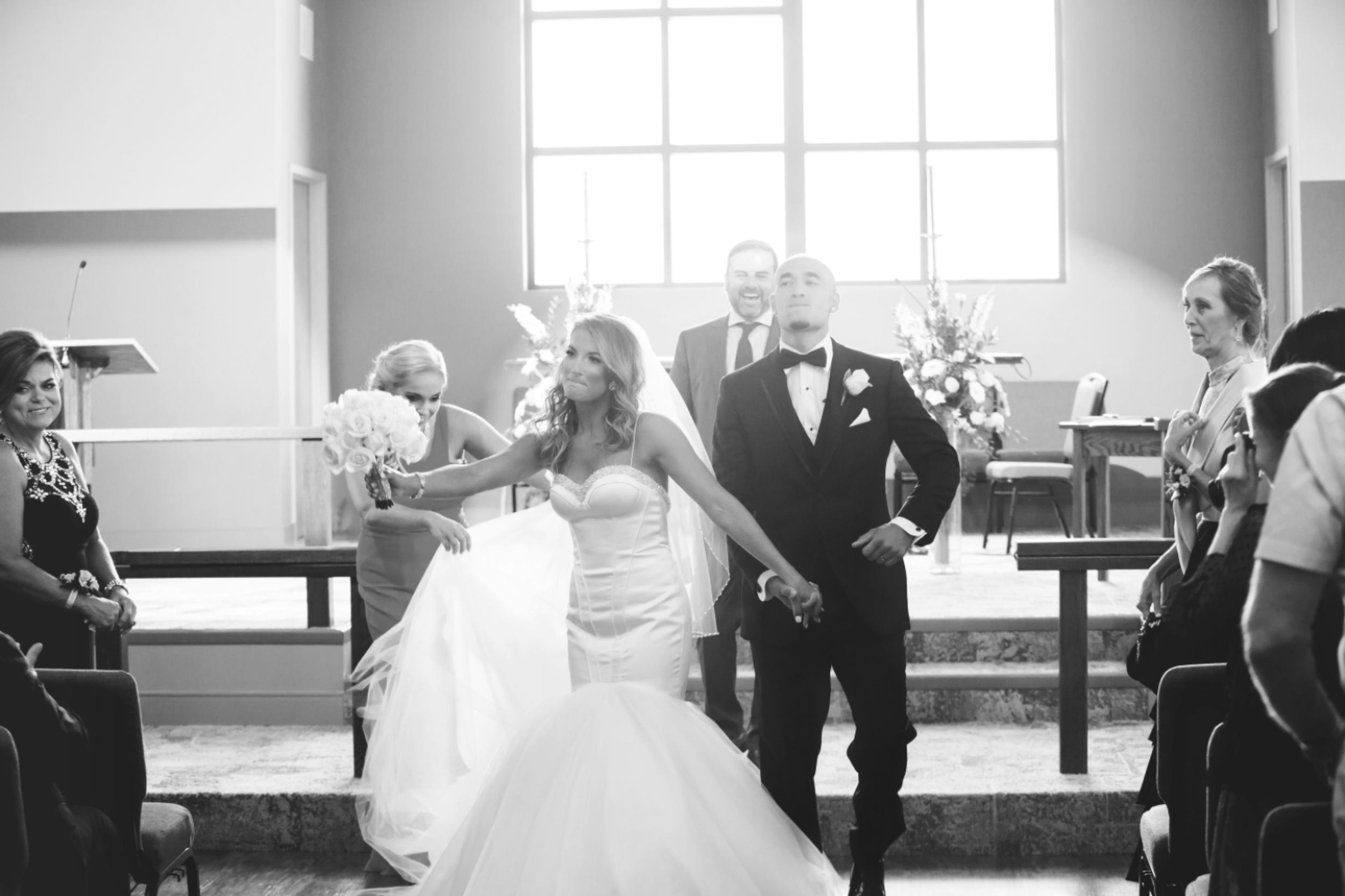 Wedding-Burlington-Convention-Center-Burlington-Oakville-Toronto-Hamilton-Niagara-Wedding-Photographer-Photography-Moments-by-Lauren-Photo-Image-25.png