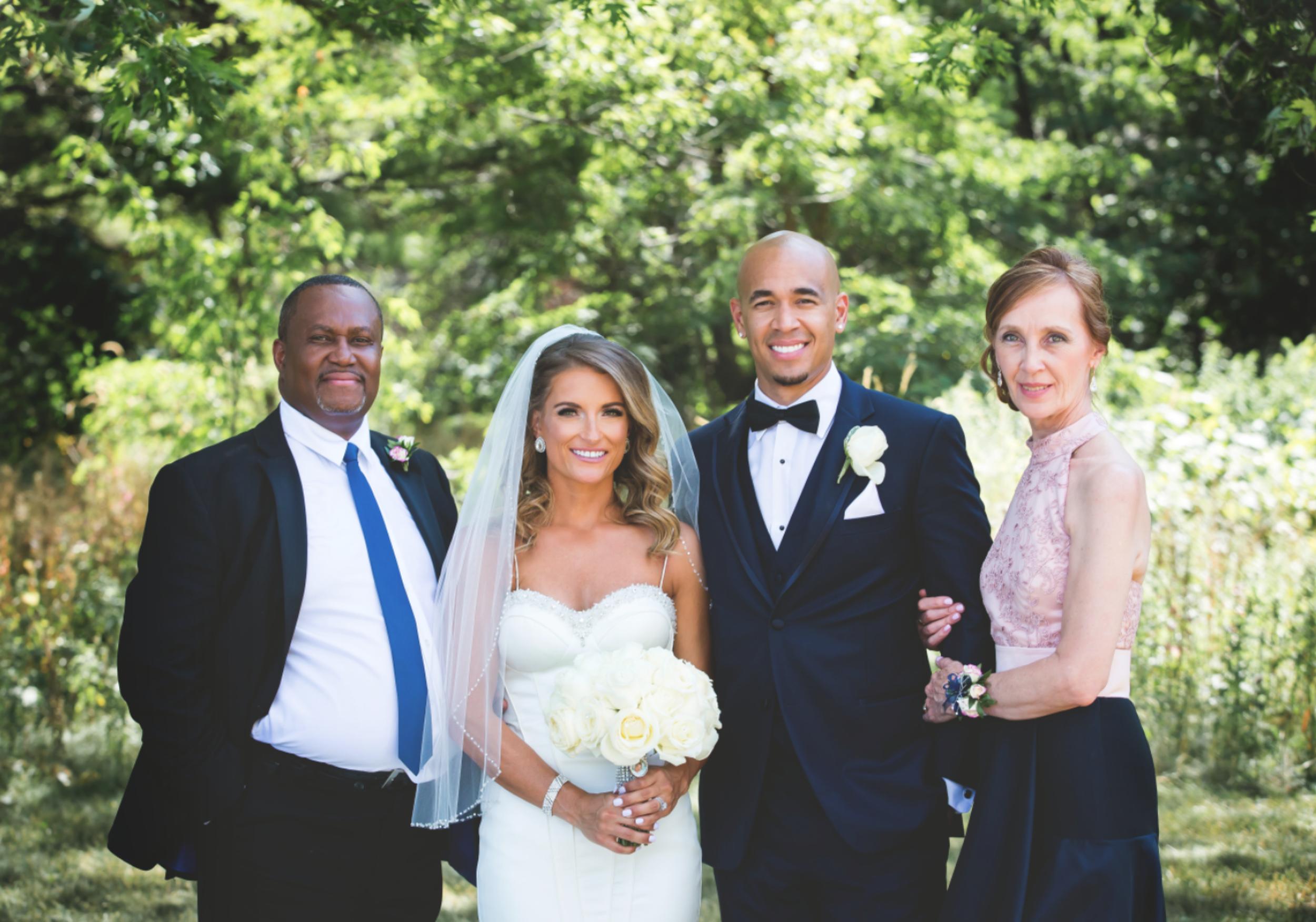 Wedding-Burlington-Convention-Center-Burlington-Oakville-Toronto-Hamilton-Niagara-Wedding-Photographer-Photography-Moments-by-Lauren-Photo-Image-26.png