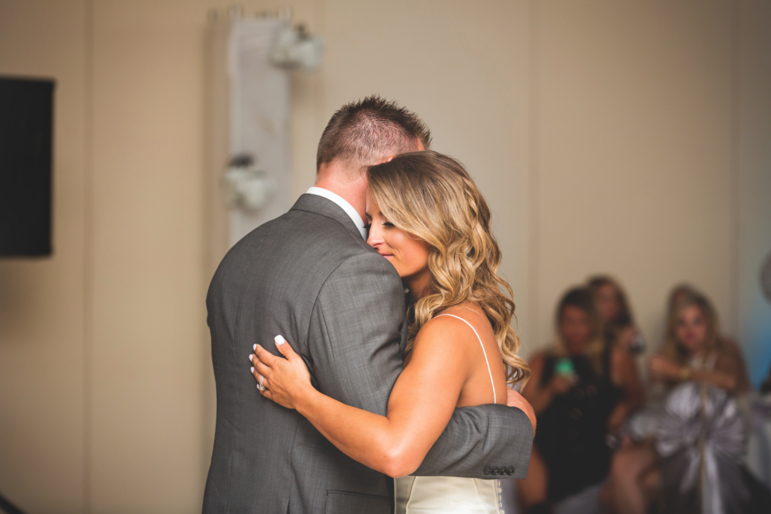 Wedding-Burlington-Convention-Center-Burlington-Oakville-Toronto-Hamilton-Niagara-Wedding-Photographer-Photography-Moments-by-Lauren-Photo-Image-53.png
