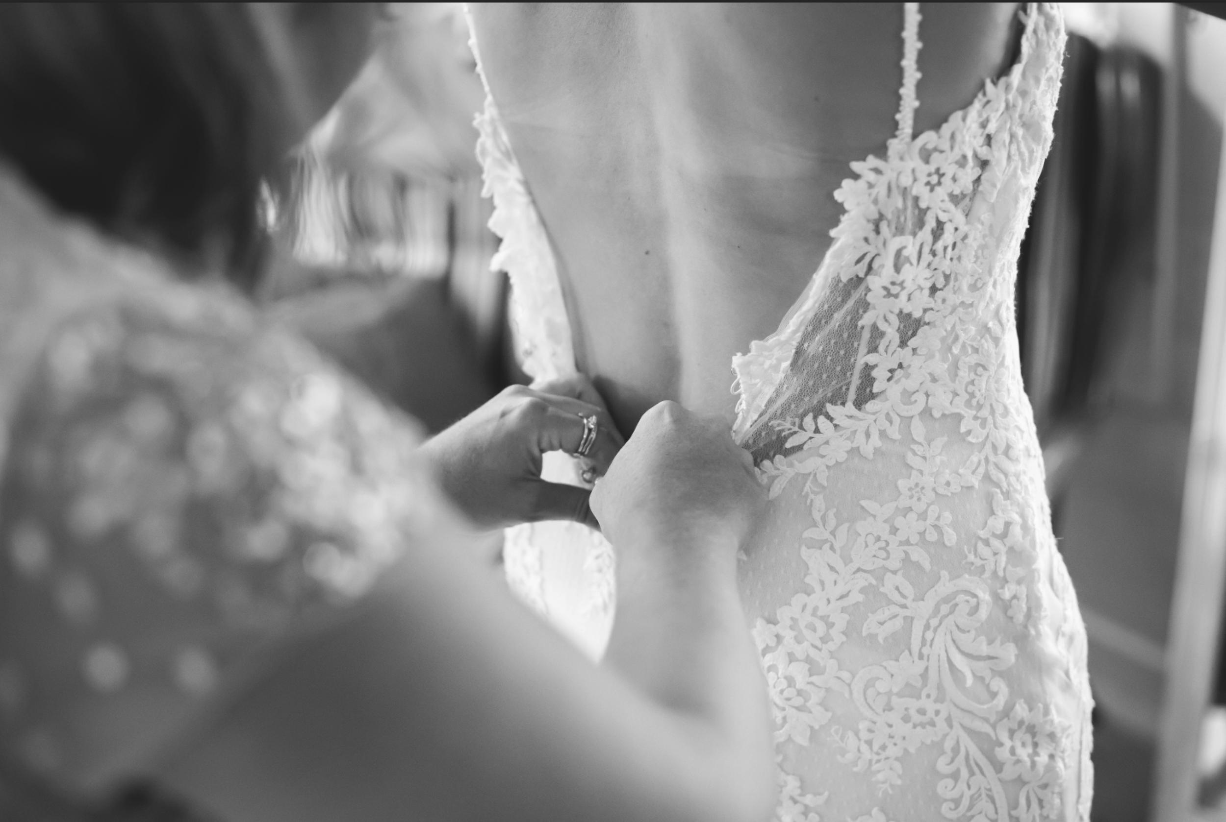Wedding-Photos-Muskoka-Clevelands-House-Photographer-Wedding-Hamilton-GTA-Niagara-Oakville-Moments-by-Lauren-Photography-Photo-Image-4.png