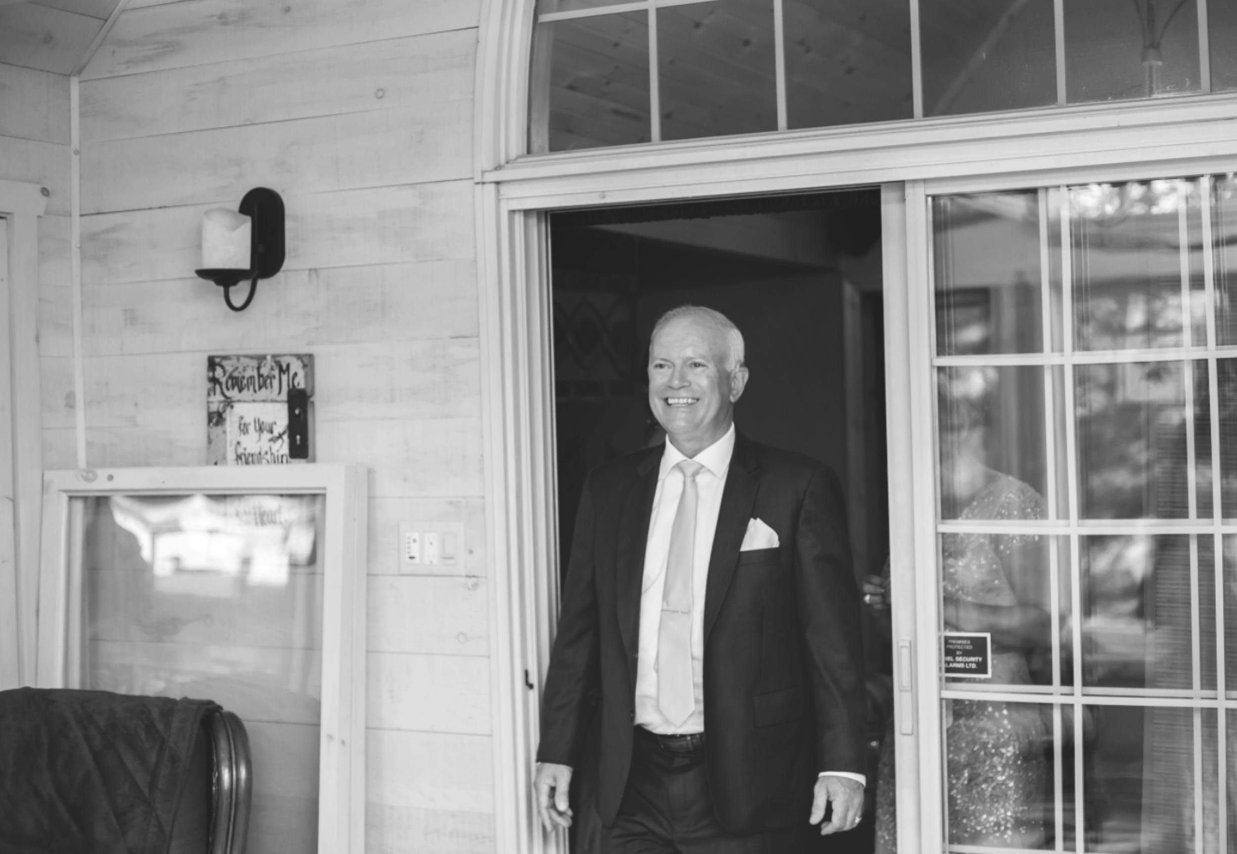 Wedding-Photos-Muskoka-Clevelands-House-Photographer-Wedding-Hamilton-GTA-Niagara-Oakville-Moments-by-Lauren-Photography-Photo-Image-7.png