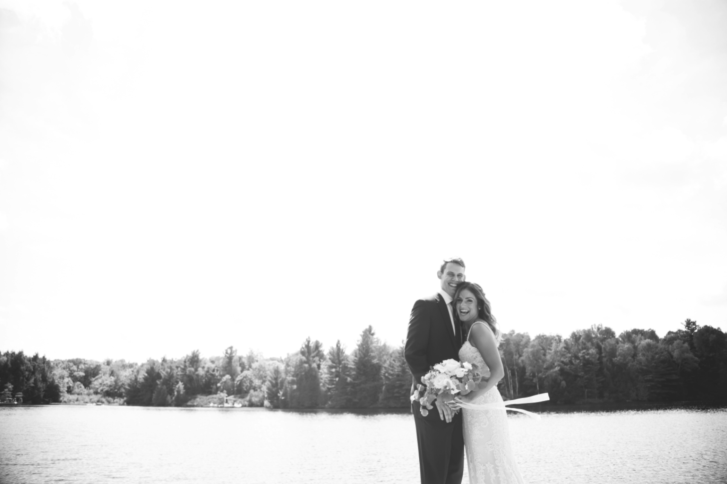 Wedding-Photos-Muskoka-Clevelands-House-Photographer-Wedding-Hamilton-GTA-Niagara-Oakville-Moments-by-Lauren-Photography-Photo-Image-40.png