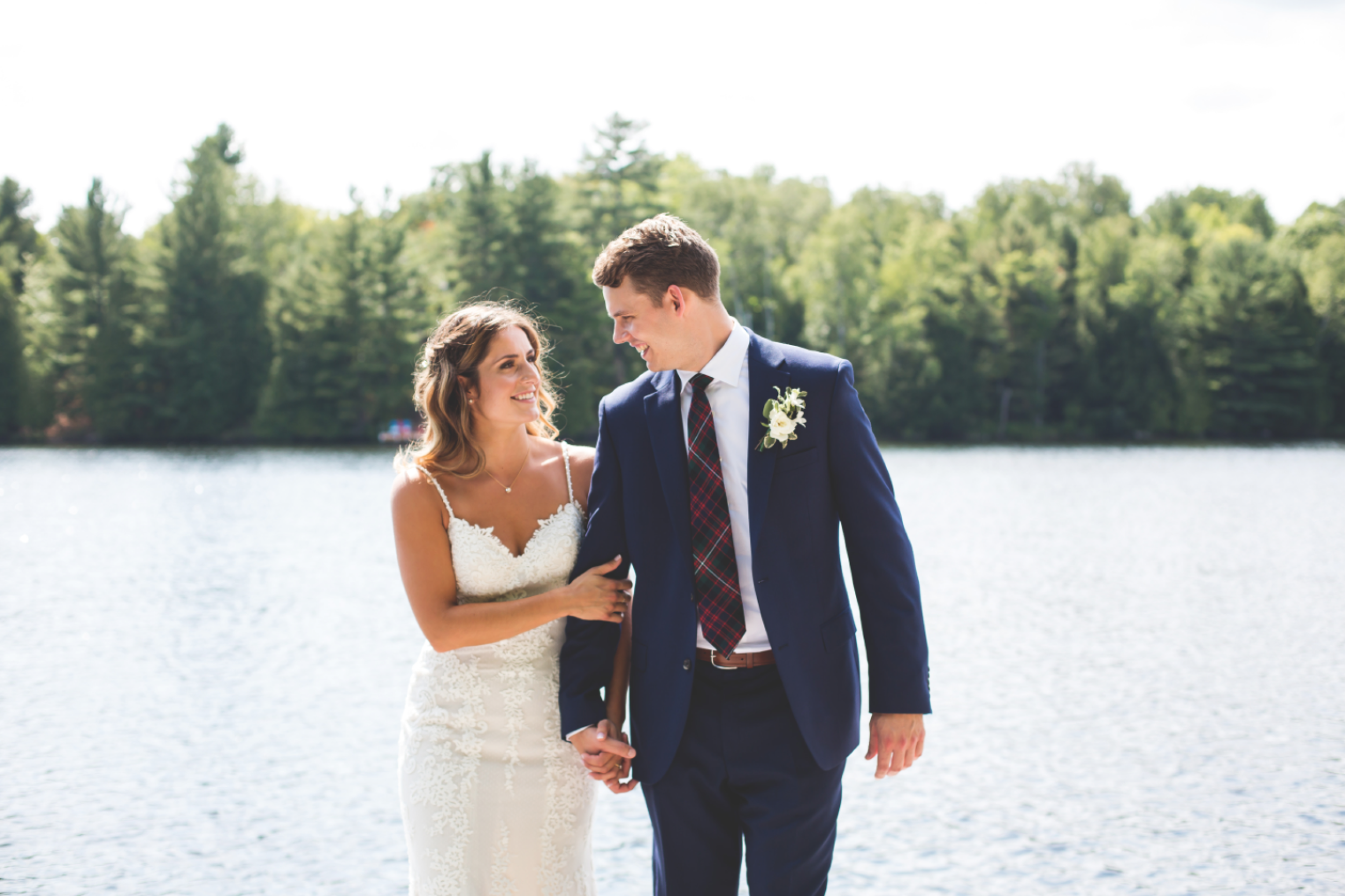 Wedding-Photos-Muskoka-Clevelands-House-Photographer-Wedding-Hamilton-GTA-Niagara-Oakville-Moments-by-Lauren-Photography-Photo-Image-43.png